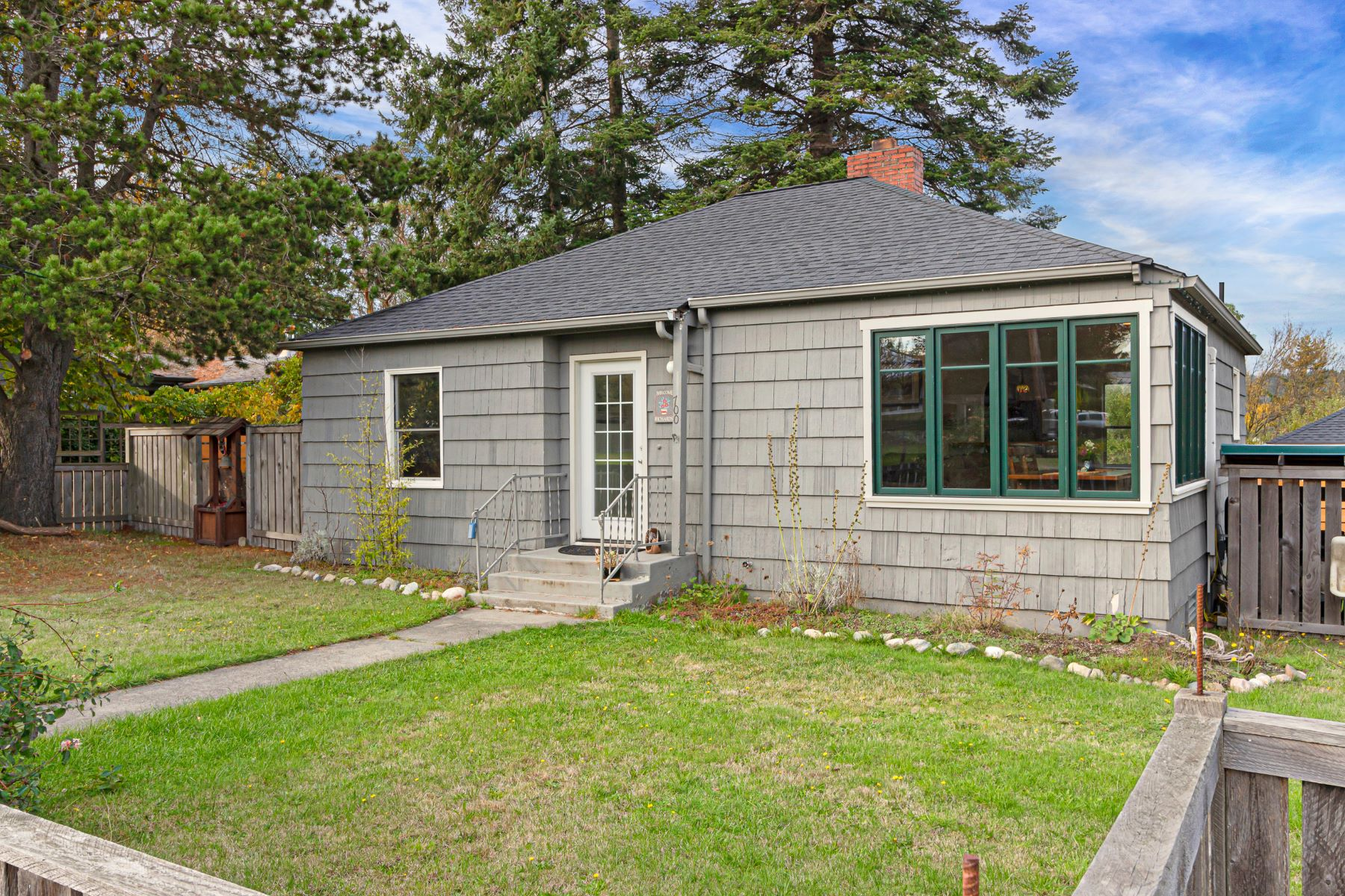 Single Family Homes for Sale at In Town Cape Cod Charmer 700 Park Street Friday Harbor, Washington 98250 United States