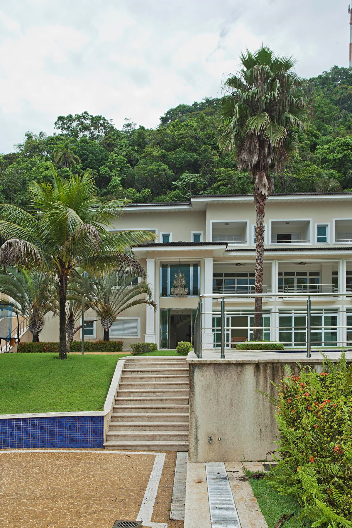 Single Family Home for Sale at Luxurious House at Marina Guarujá Estrada Guarujá/Bertioga Guaruja, Sao Paulo, 11443-485 Brazil