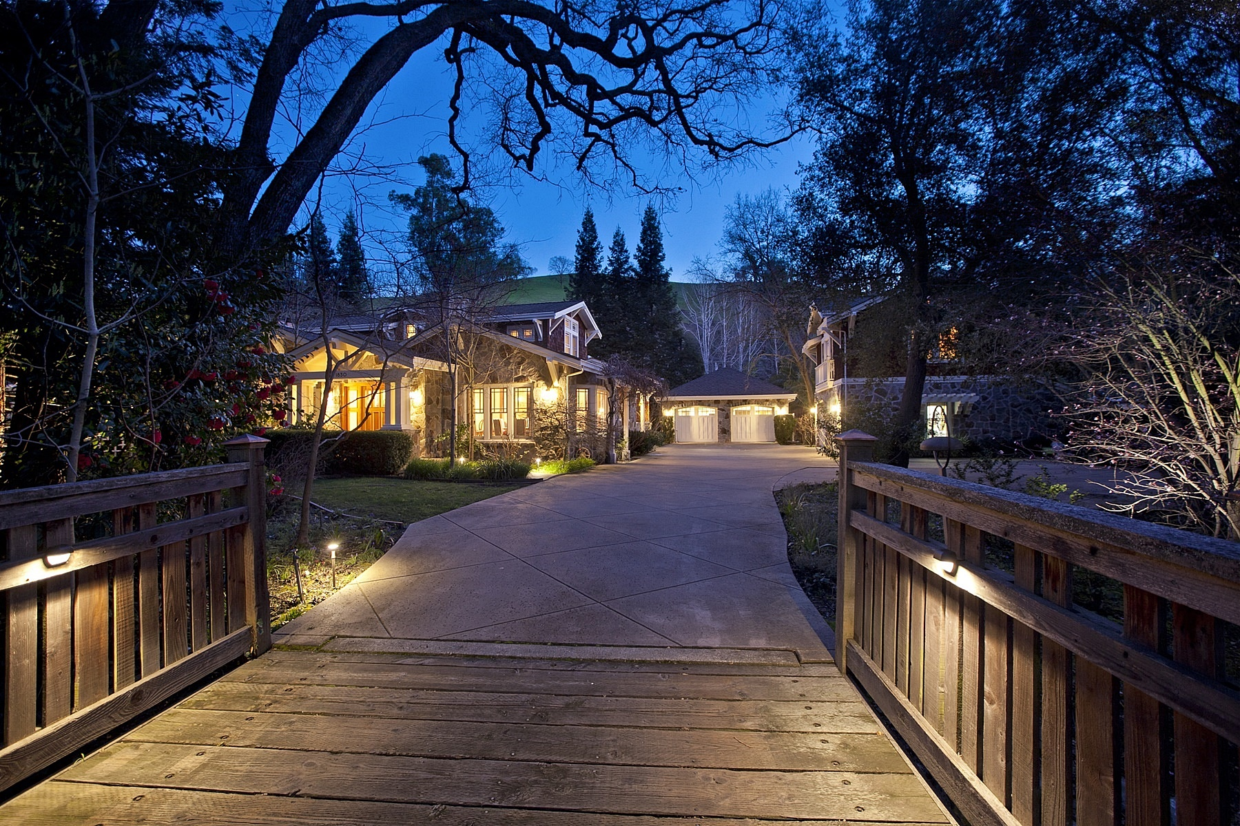 Single Family Home for Sale at Charming Private Estate ~ Diablo Country Club 1830 Alameda Diablo Diablo, California 94528 United States