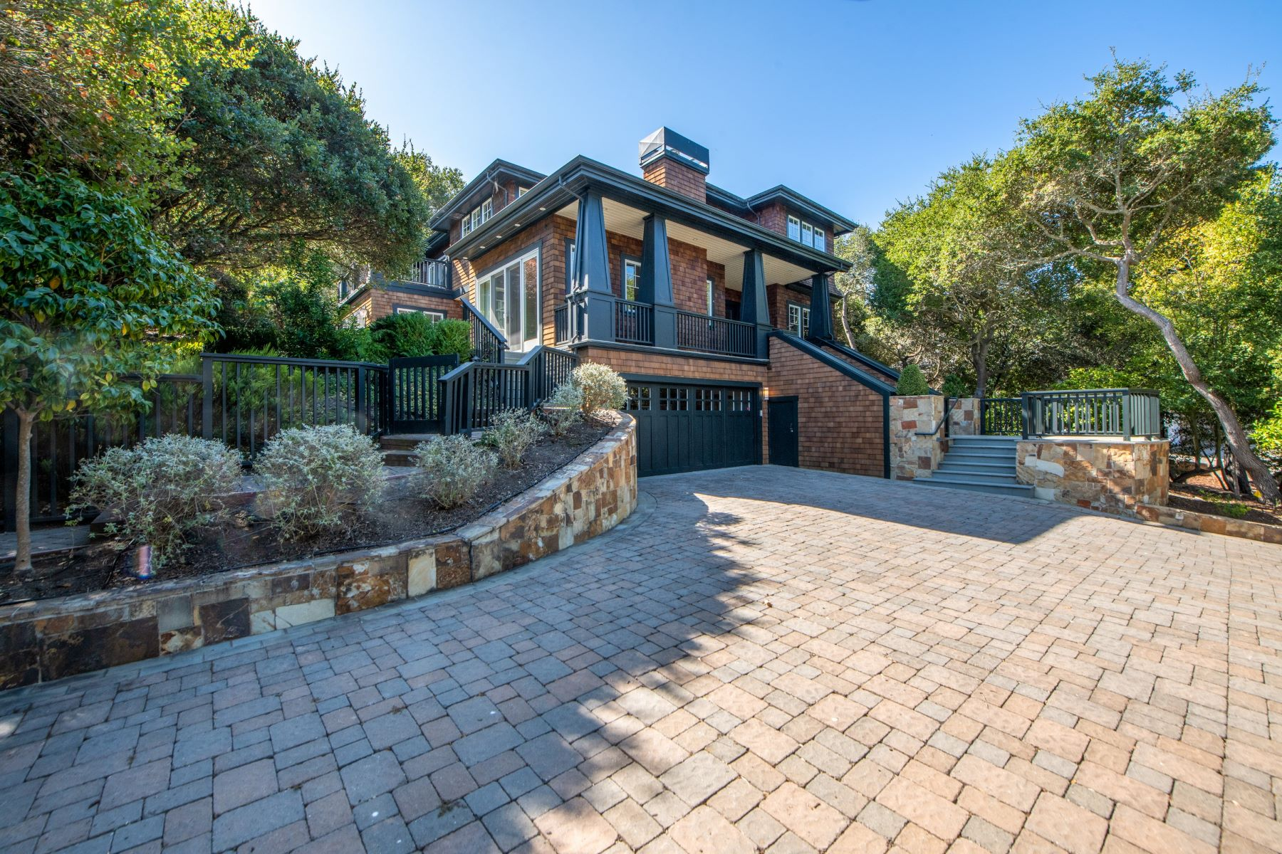 Single Family Homes for Sale at Timeless Blend of Lavish Finishes and Casual Living 4 Old Landing Rd Tiburon, California 94920 United States