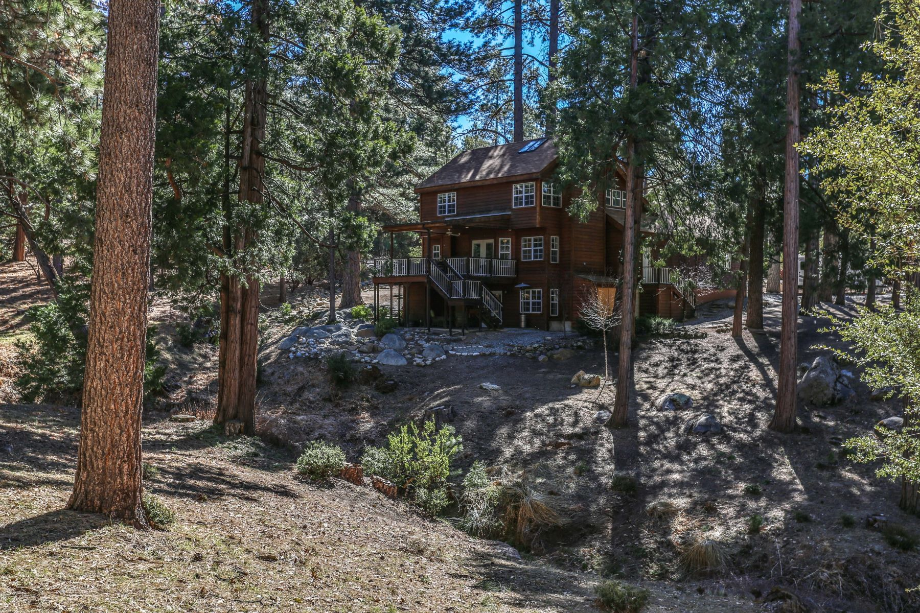 Single Family Homes for Active at 27777 Saunders Meadow Rd Idyllwild, California 92549 United States