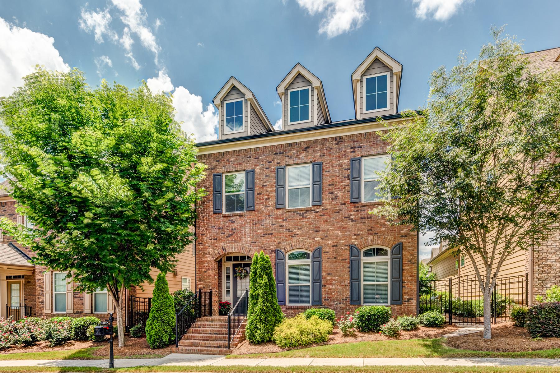단독 가정 주택 용 매매 에 Beautiful Turn-key Home In Prestigious Gated Woodbridge Crossing 4409 Felix Way SE Smyrna, 조지아, 30082 미국