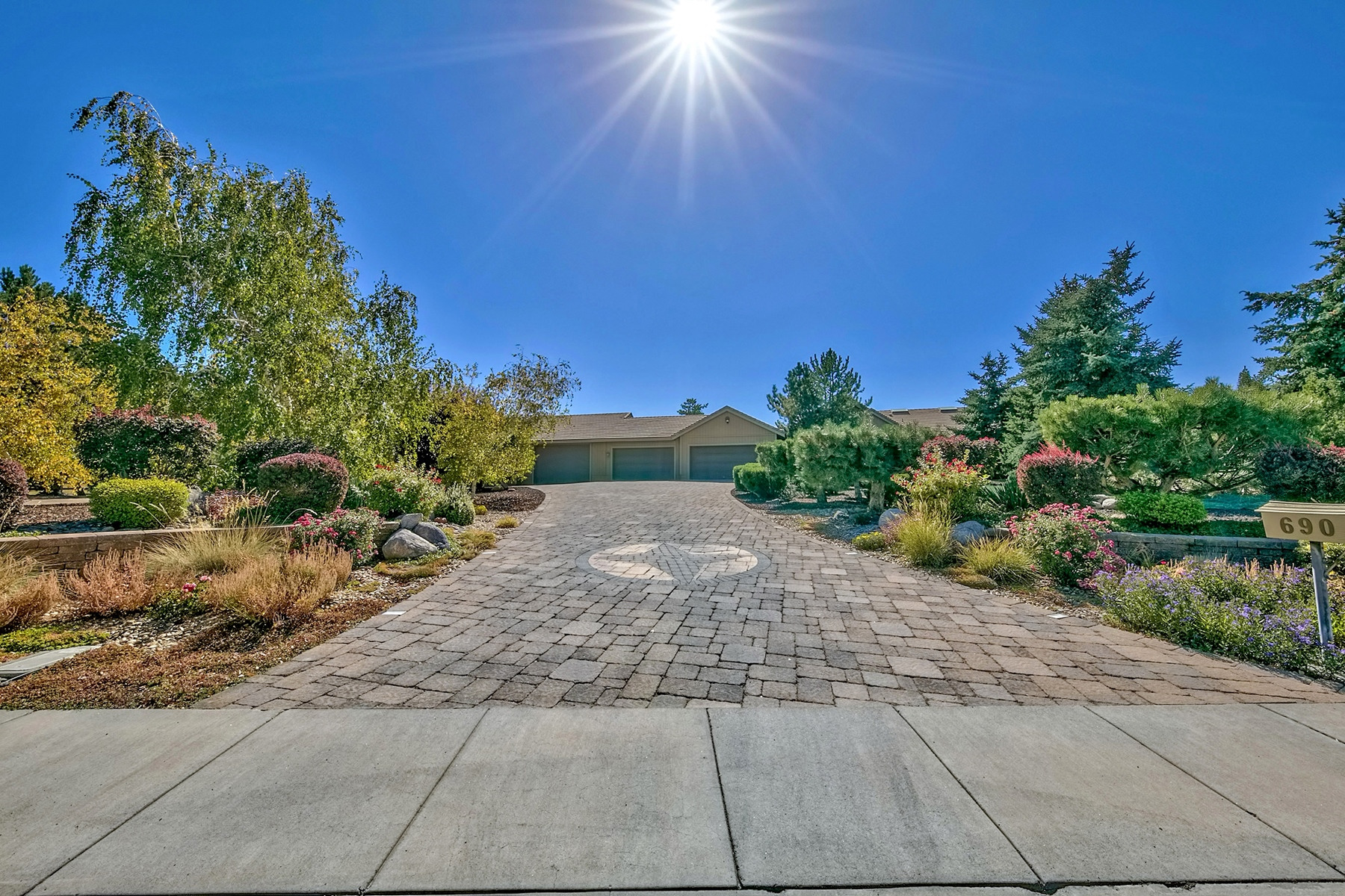 Additional photo for property listing at 690 Meadow Vista Drive, Reno, Nevada 690 Meadow Vista Drive Reno, Nevada 89511 United States