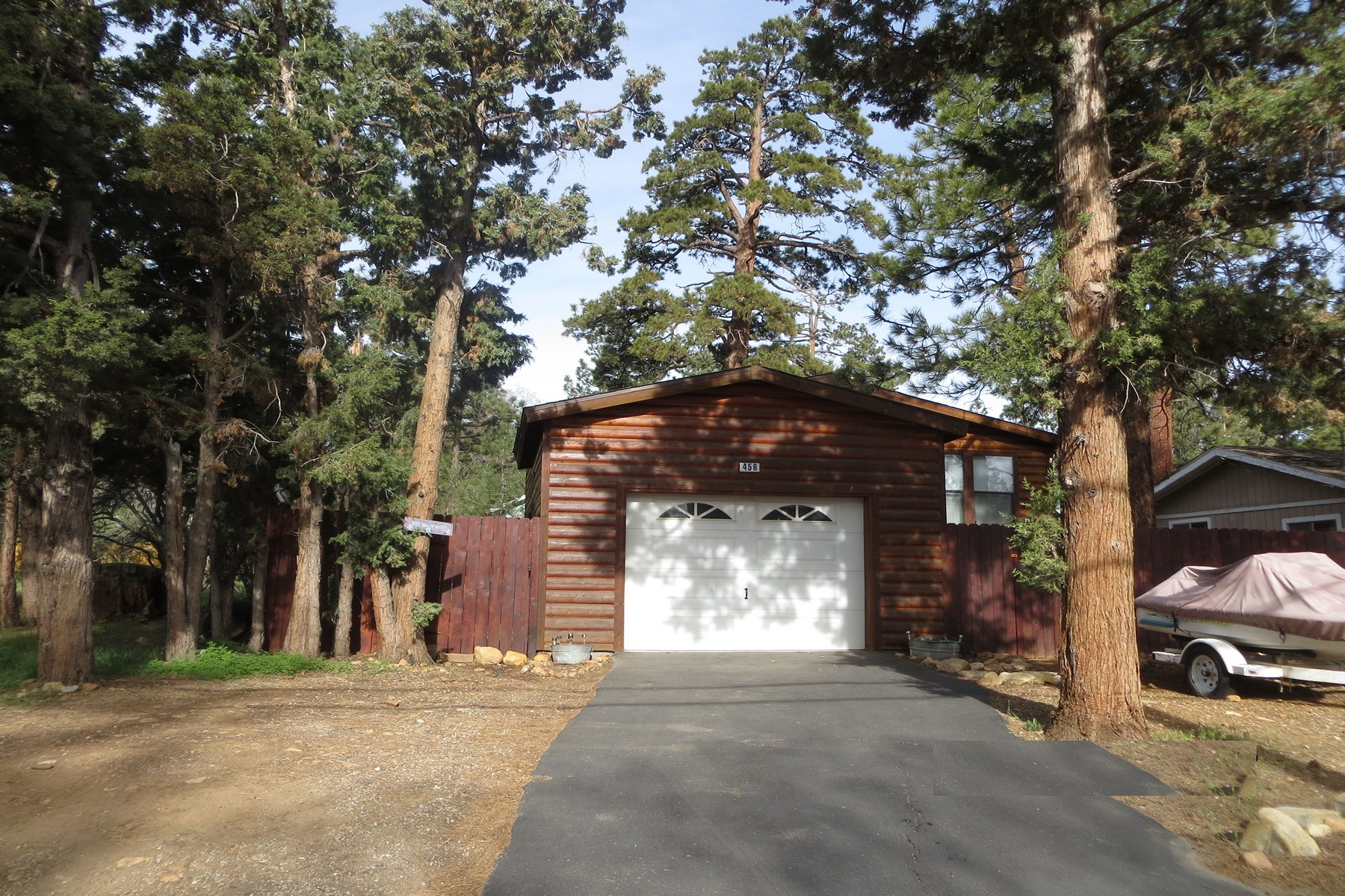 Single Family Home for Sale at 458 Maple Lane Sugarloaf, California, 92386 United States