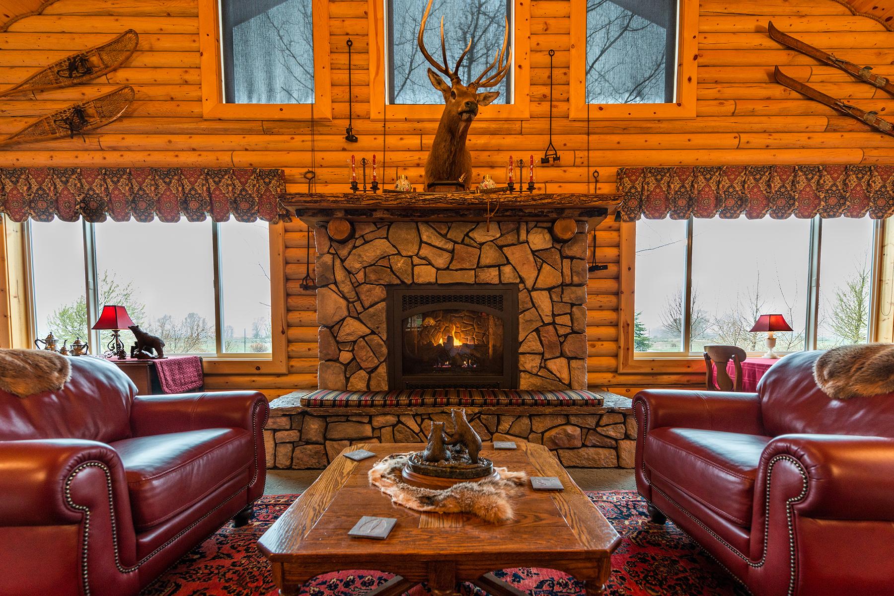 Maison unifamiliale pour l Vente à Old Irwin Lodge 1591 Old Irwin Rd Irwin, Idaho IWRIN États-Unis