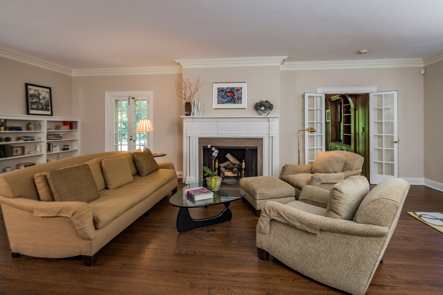 Additional photo for property listing at A Warm and Noble Presence in the Western Section 80 Westcott Road Princeton, Nueva Jersey 08540 Estados Unidos