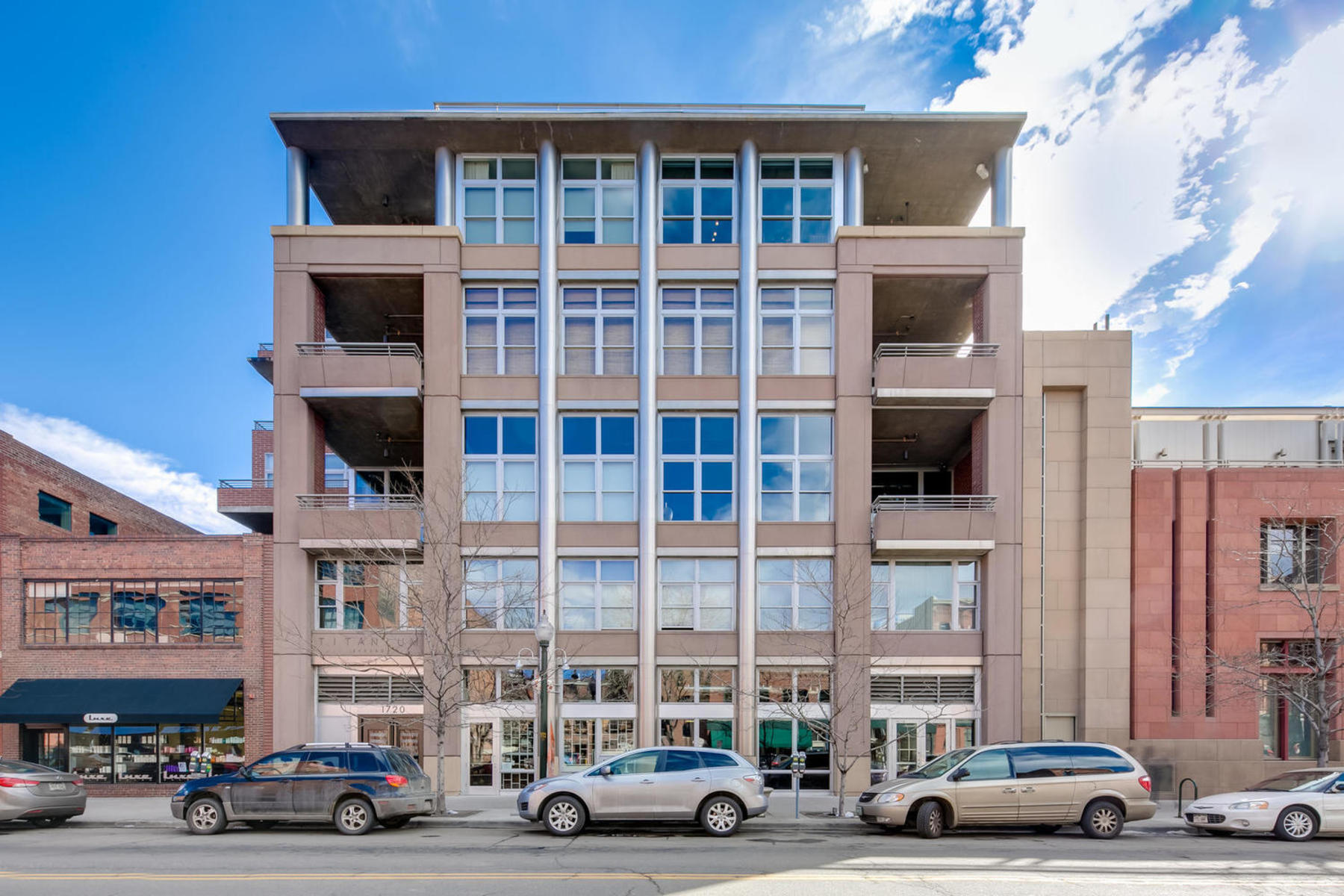 Property for Active at Corner Unit Penthouse With Abundant Natural Light 1720 Wazee Street #6B Denver, Colorado 80202 United States