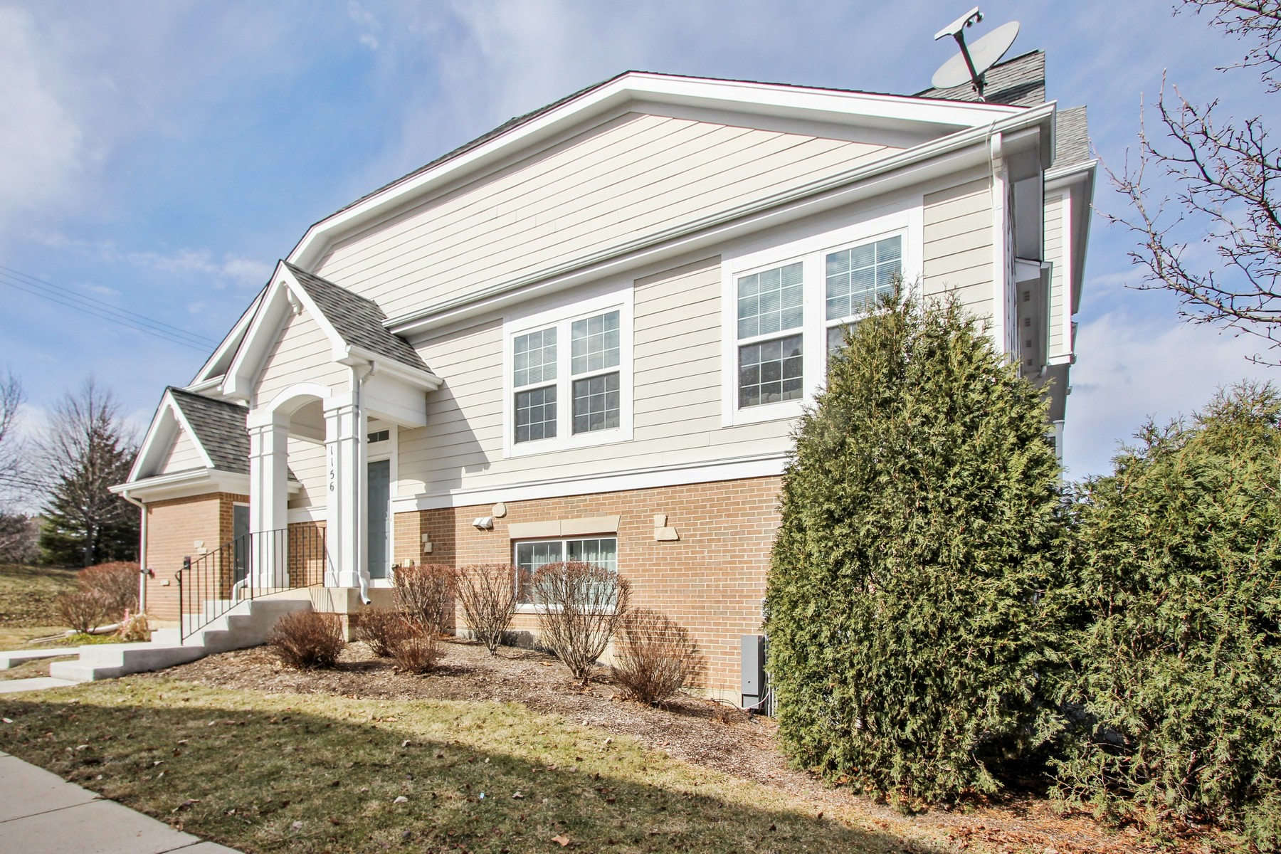 Townhouse for Sale at Airy Lake Zurich Town Home 1156 Jordan Circle, Lake Zurich, Illinois, 60047 United States