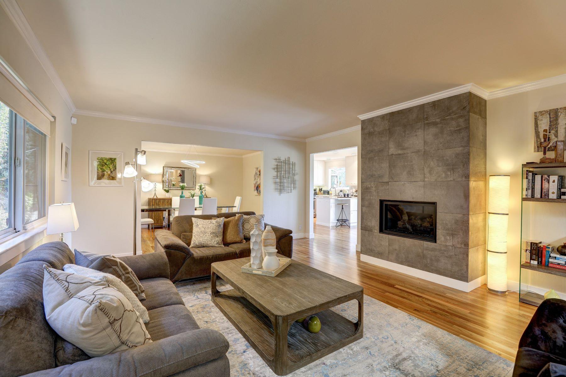 Casa Unifamiliar por un Venta en Majestic Mount Tamalpais Views! 295 Vista Grande Greenbrae, California 94904 Estados Unidos