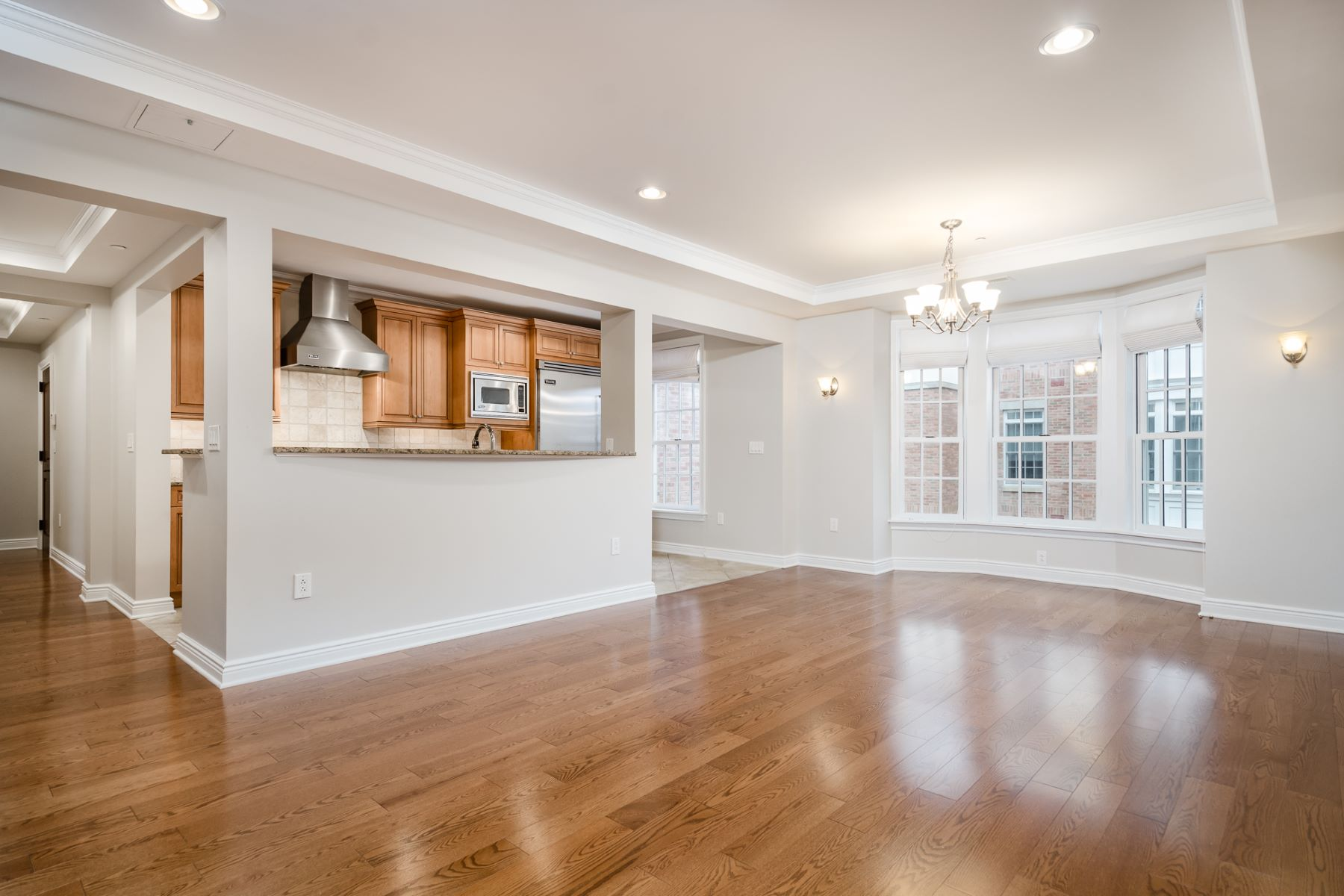 Additional photo for property listing at Easy, Luxurious Living in a Dynamic Setting 121 Victoria Mews Princeton, New Jersey 08542 États-Unis