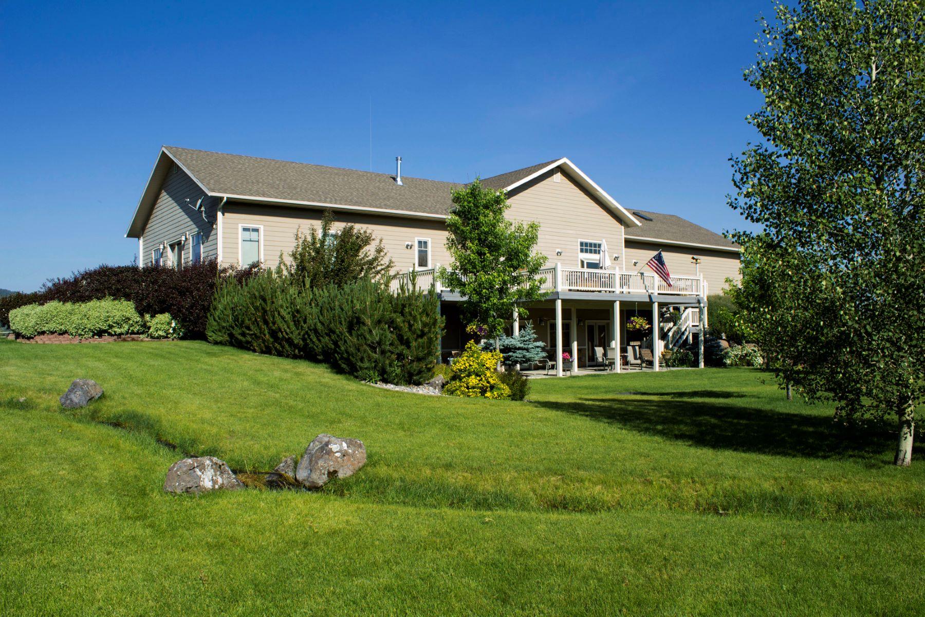 Casa Unifamiliar por un Venta en Star Valley Gentleman's Ranch 20 Fidler Lane Thayne, Wyoming 83127 Estados Unidos
