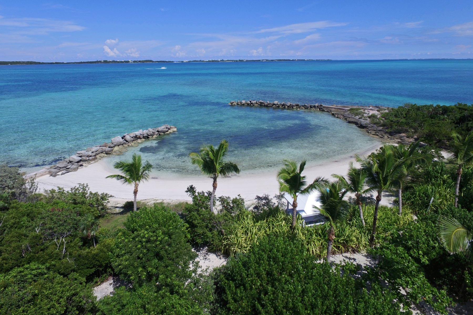 Additional photo for property listing at Foot's Cay Guana Cay, Abaco Bahamas