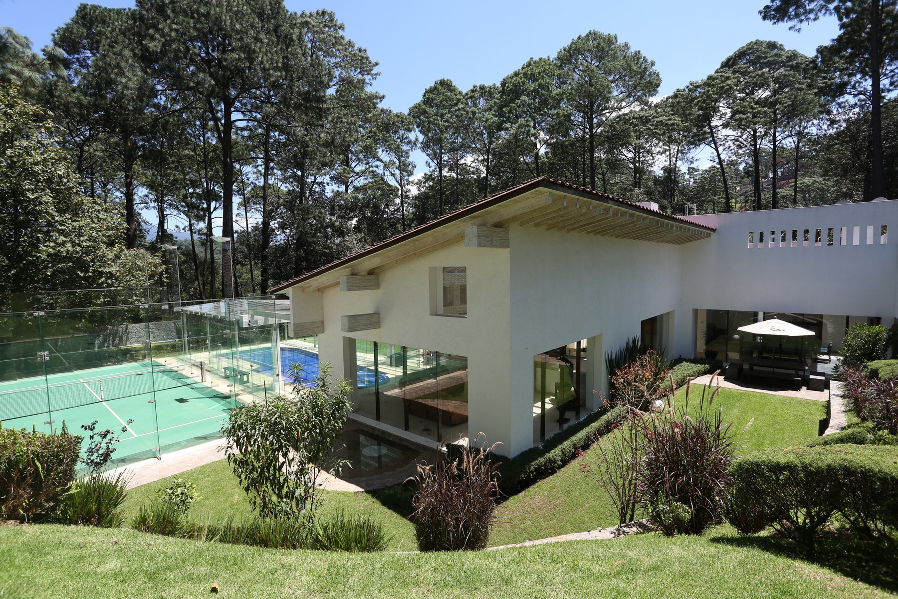 Single Family Home for Sale at Avandaro Residence at Valle de Bravo Federal District, 51200 Mexico