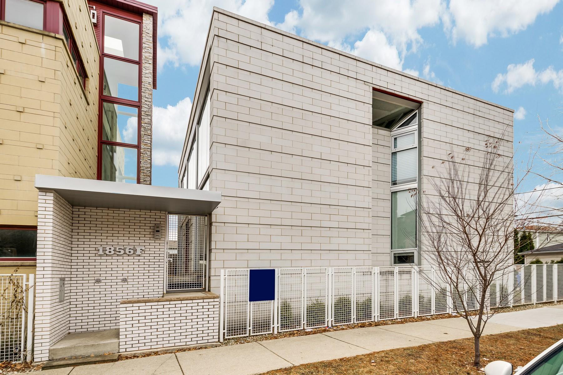 Einfamilienhaus für Verkauf beim Wonderful Contemporary Smart Home on Wide Lot 2735 W Cortland Street Logan Square, Chicago, Illinois, 60647 Vereinigte Staaten