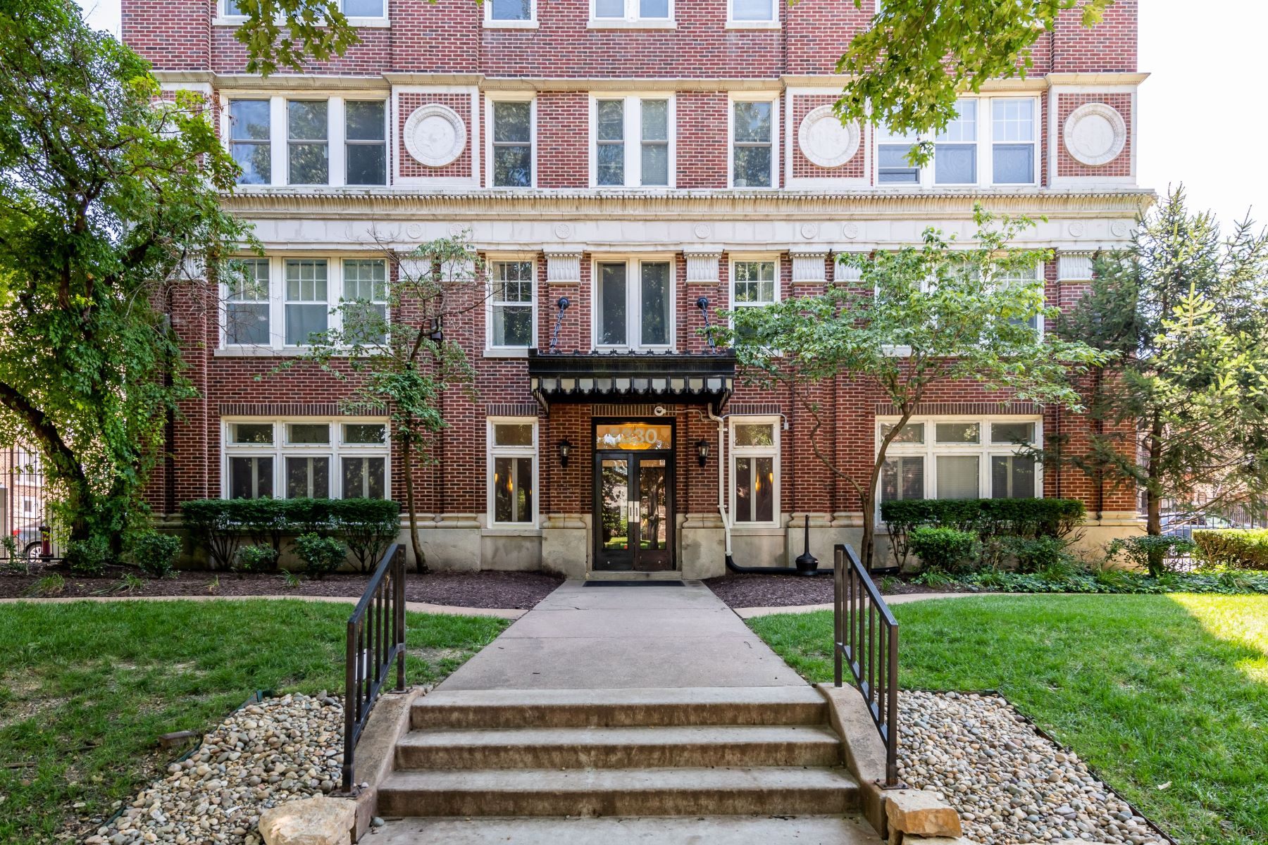 Condominiums for Rent at Peaceful City Living on Pershing Avenue 5330 Pershing Avenue #205 St. Louis, Missouri 63112 United States