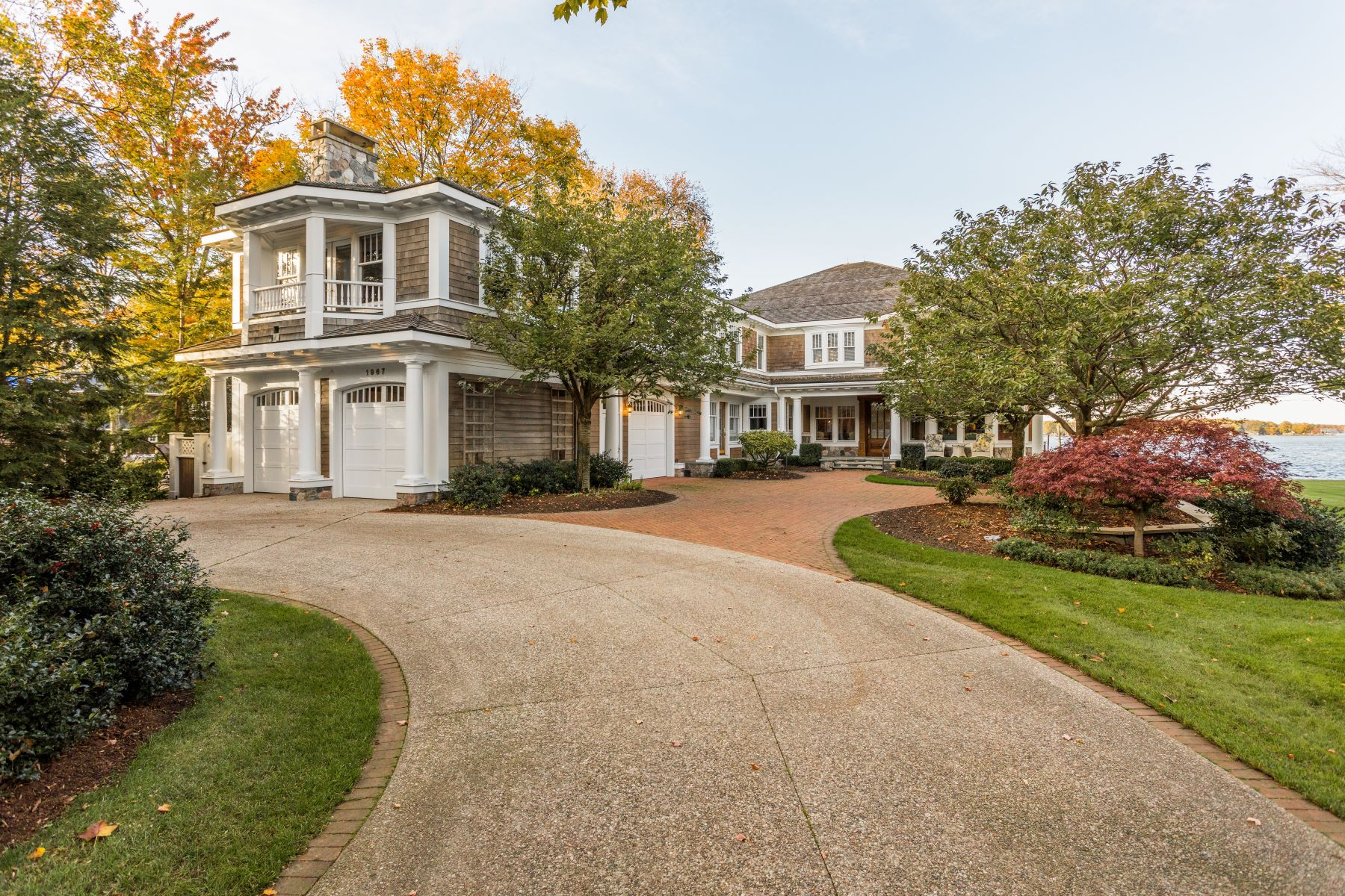 Additional photo for property listing at Regal Estate With Dramatic Lake Macatawa Views 1967 South Shore Drive Holland, Michigan 49423 United States