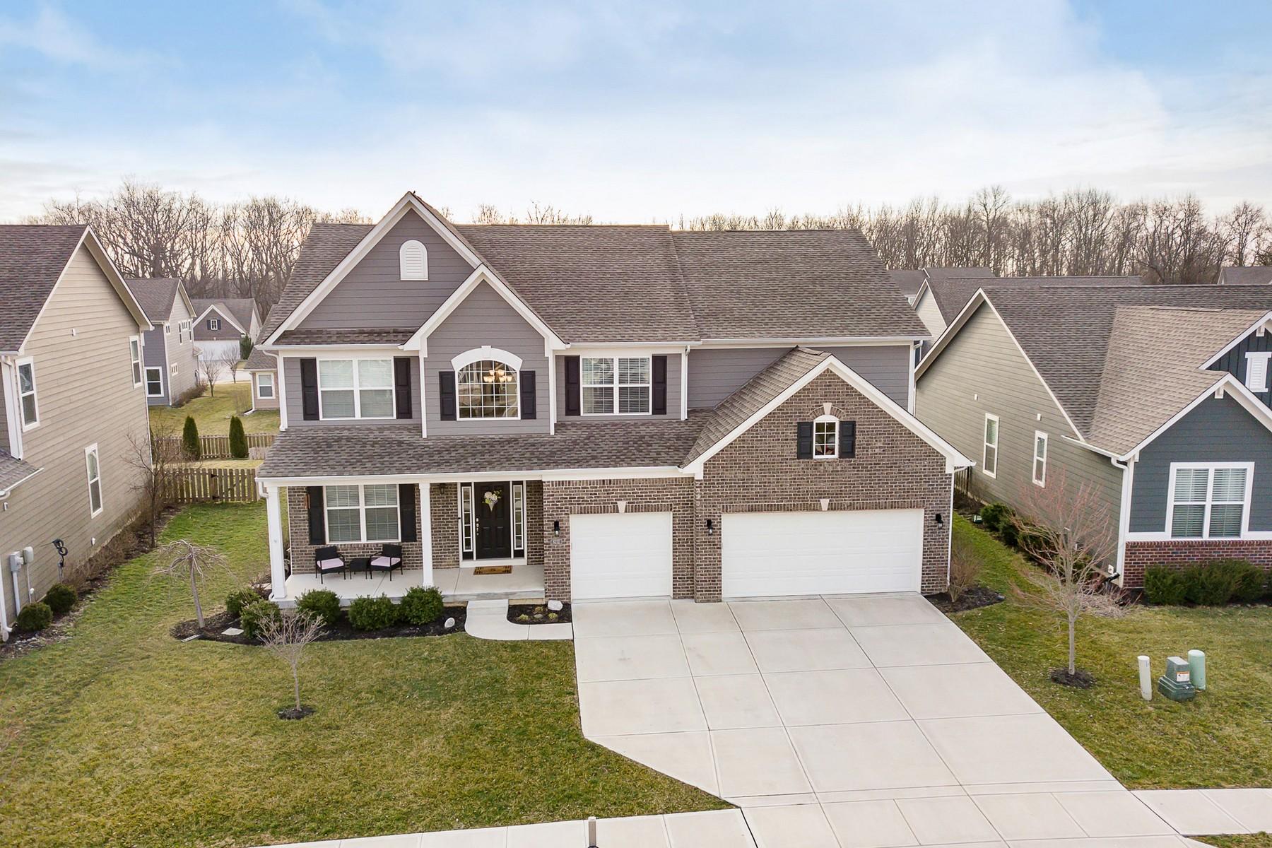 Single Family Homes por un Venta en Modern Luxury 6212 Bayard Drive Noblesville, Indiana 46062 Estados Unidos
