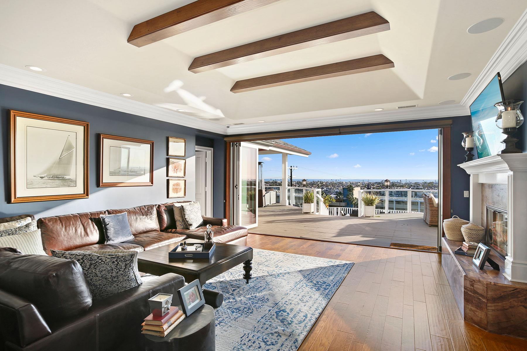 Casa Unifamiliar por un Venta en 1501 Kings 1501 Kings Road Newport Beach, California 92663 Estados Unidos