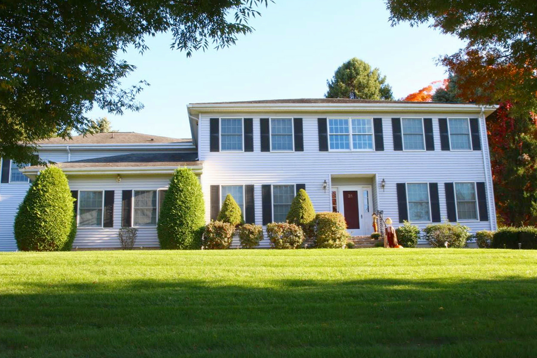 Single Family Home for Sale at Impeccable Mother/Daughter On Beautifully Lansdscaped Corner Lot 31 Meyersville Road Gillette, New Jersey 07933 United States