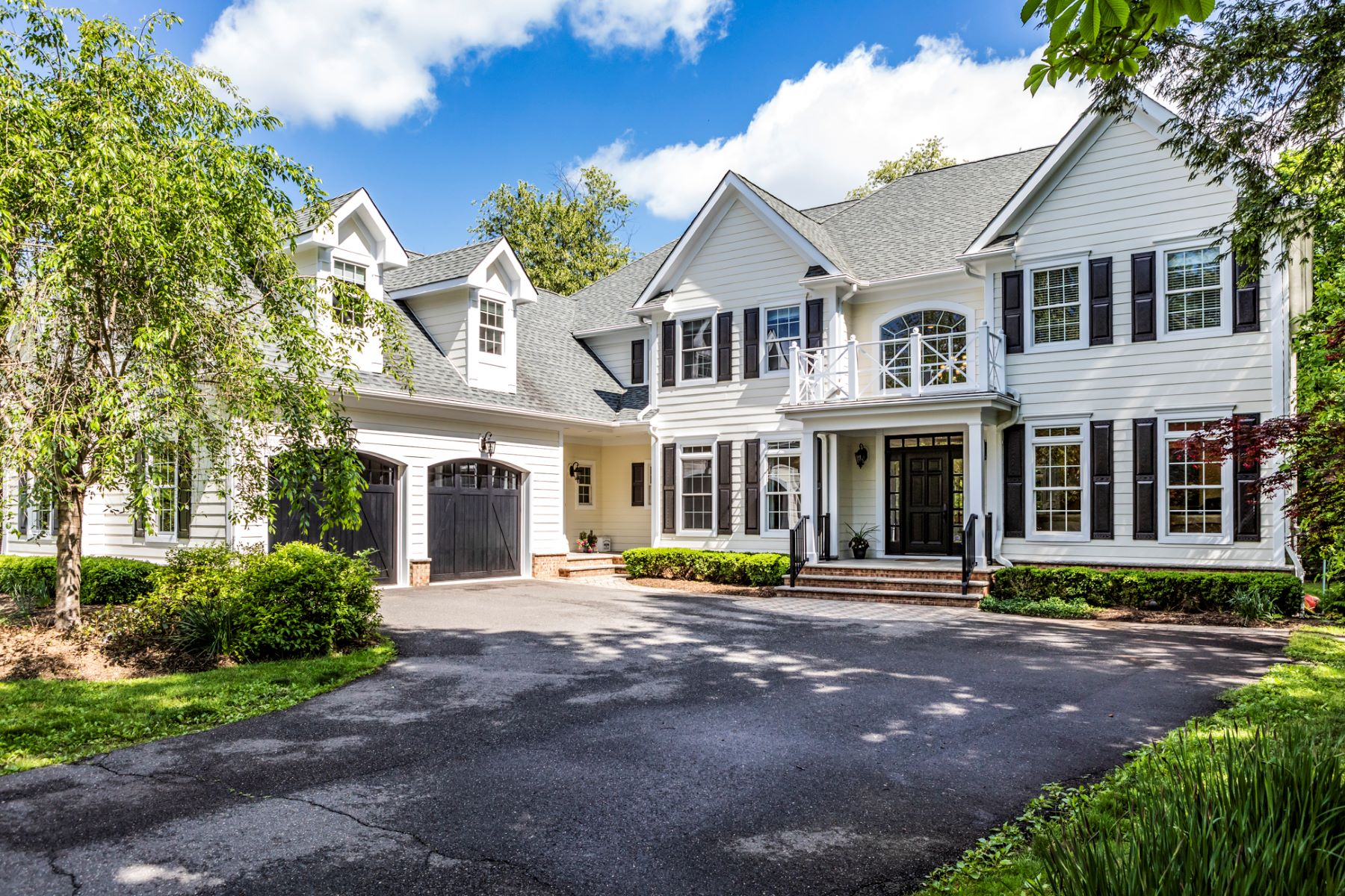 Additional photo for property listing at Unexpected Extras at Every Turn 25 Howe Circle, Princeton, New Jersey 08540 United States