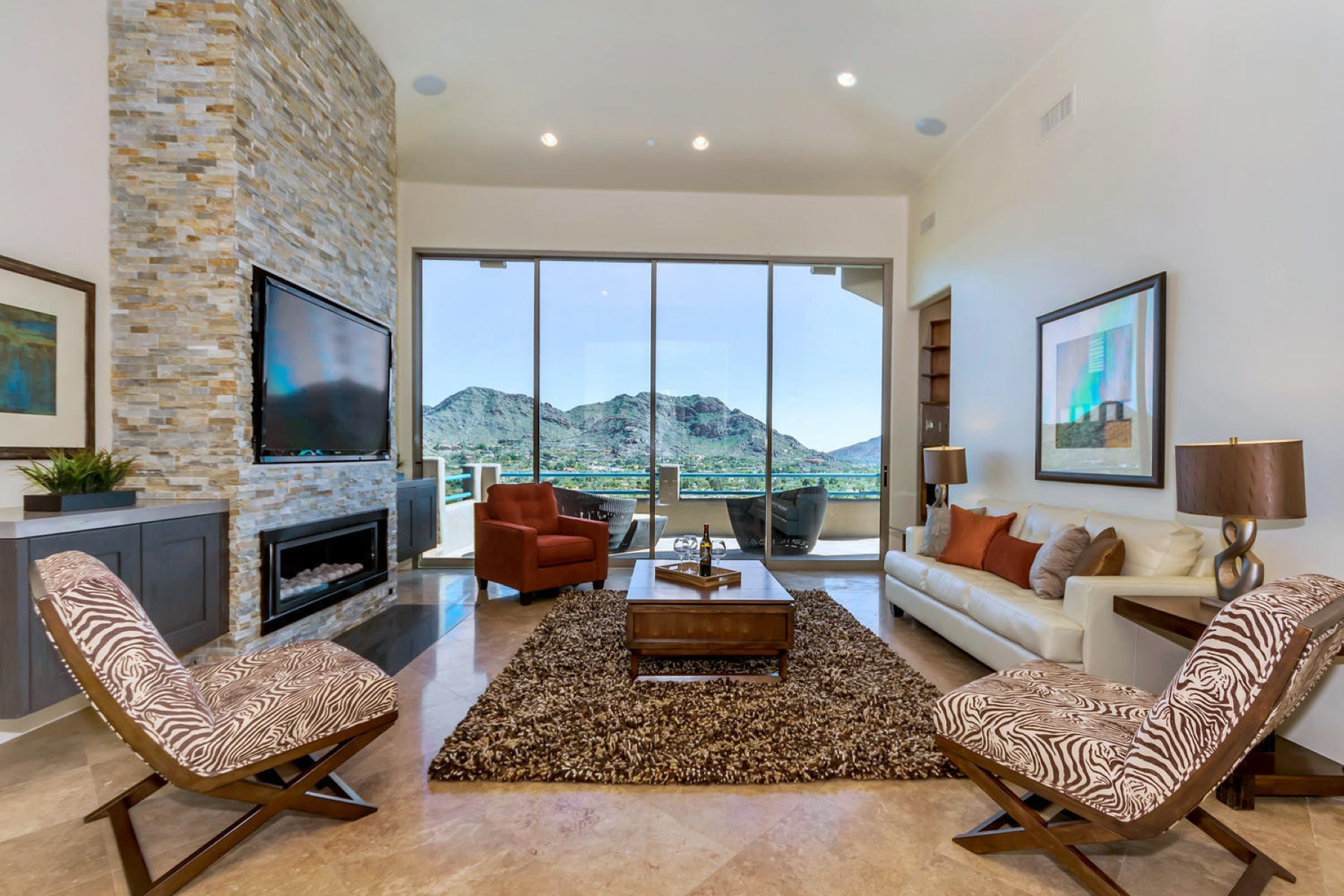 Maison unifamiliale pour l Vente à Gorgeous home with the most beautiful views in all of Paradise Valley 4748 E White Dr Paradise Valley, Arizona, 85253 États-Unis