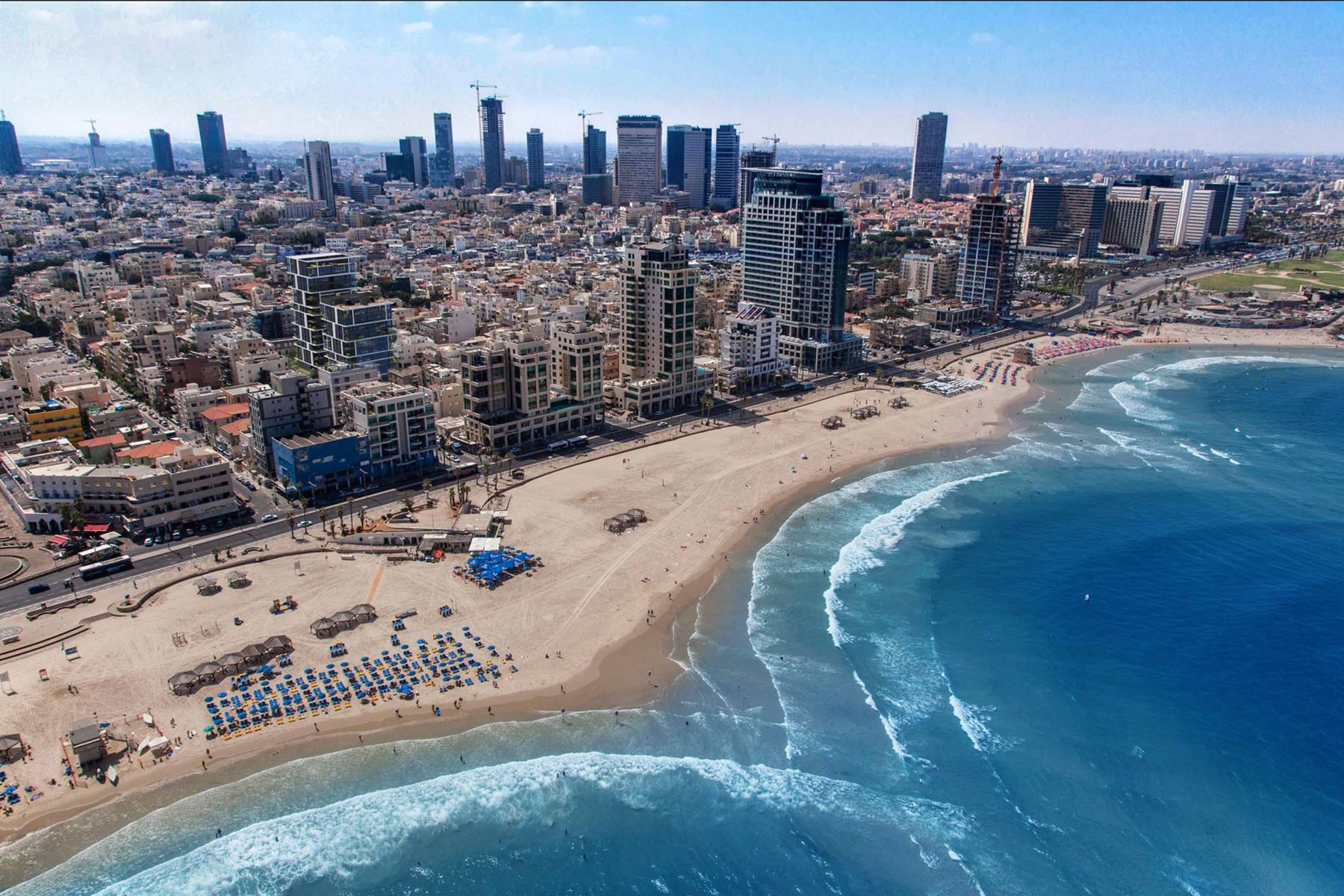 Additional photo for property listing at Refined Apartment at the Mediterranean Seaside  Tel Aviv, Israel 6330416 Israel