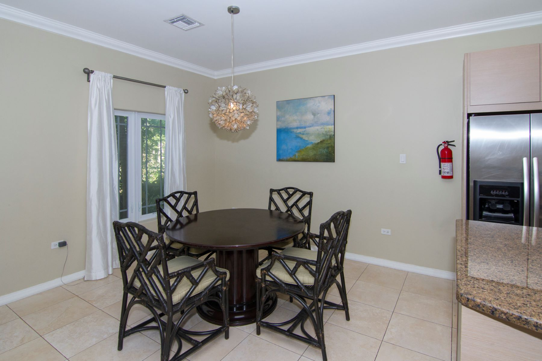Additional photo for property listing at Savannah Grand Family Home Other Cayman Islands,  Cayman Islands