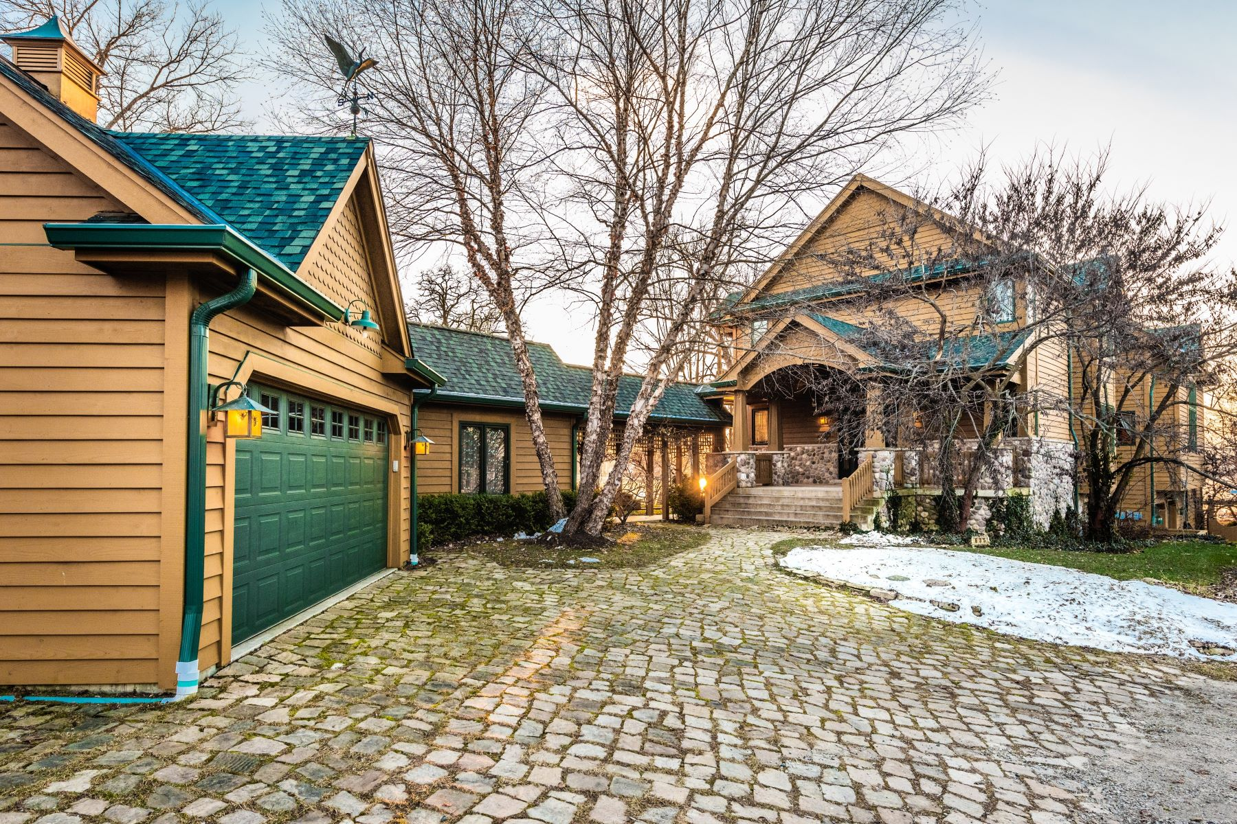 Single Family Home for Active at Bangs Lake Luxury Lodge 635 Lake Shore Blvd Wauconda, Illinois 60084 United States