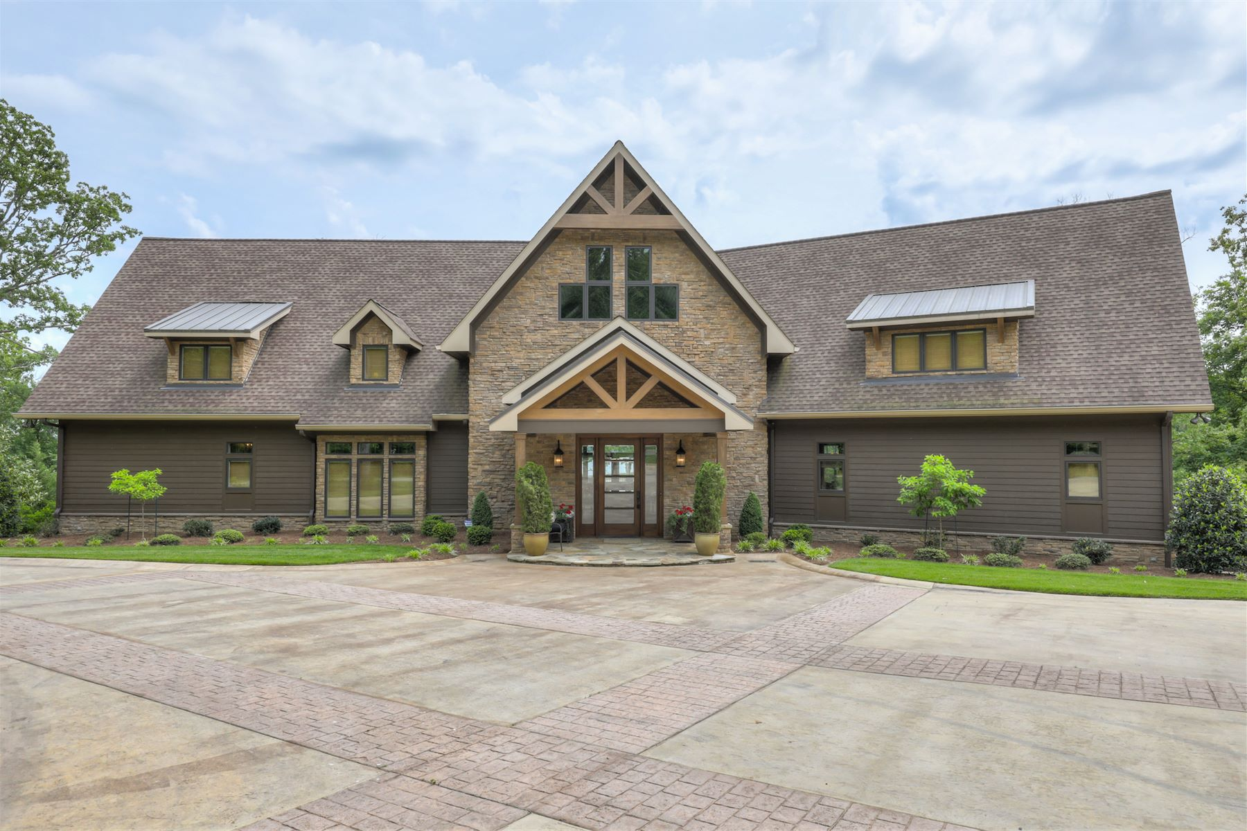 Single Family Home for Sale at Luxury Lake Home at Little Cypress Bay 310 Leisure Acres Buchanan, Tennessee, 38222 United States