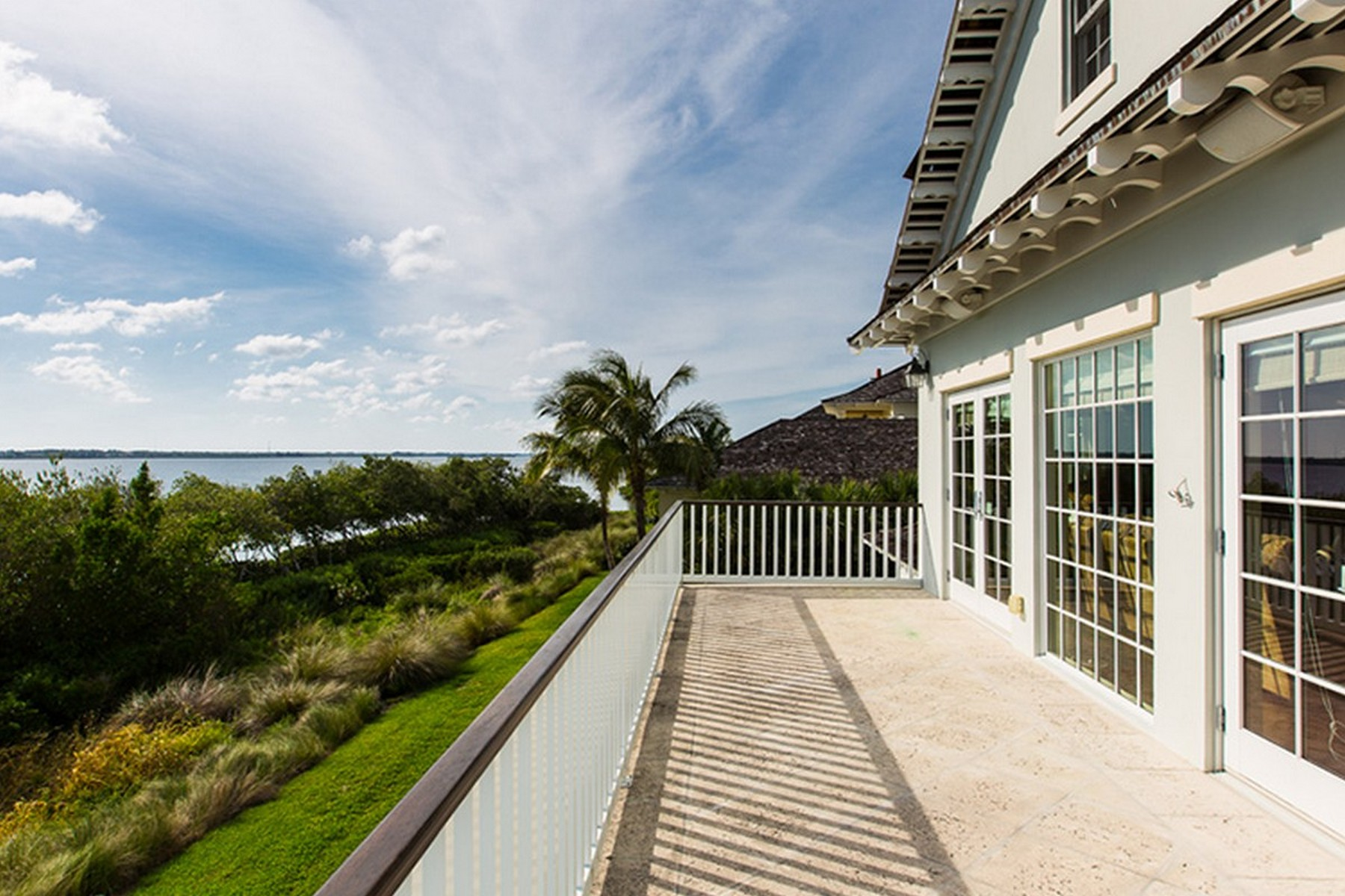 Additional photo for property listing at Marsh Island Riverfront Showplace 9235 W Marsh Island Dr Vero Beach, Florida 32963 United States