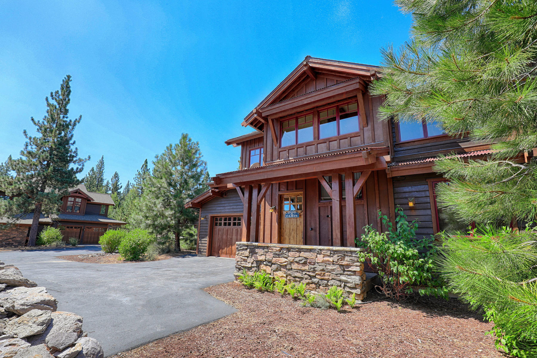Additional photo for property listing at 10240 Valmont Trail, Truckee 10240 Valmont Trail Truckee, California 96161 United States