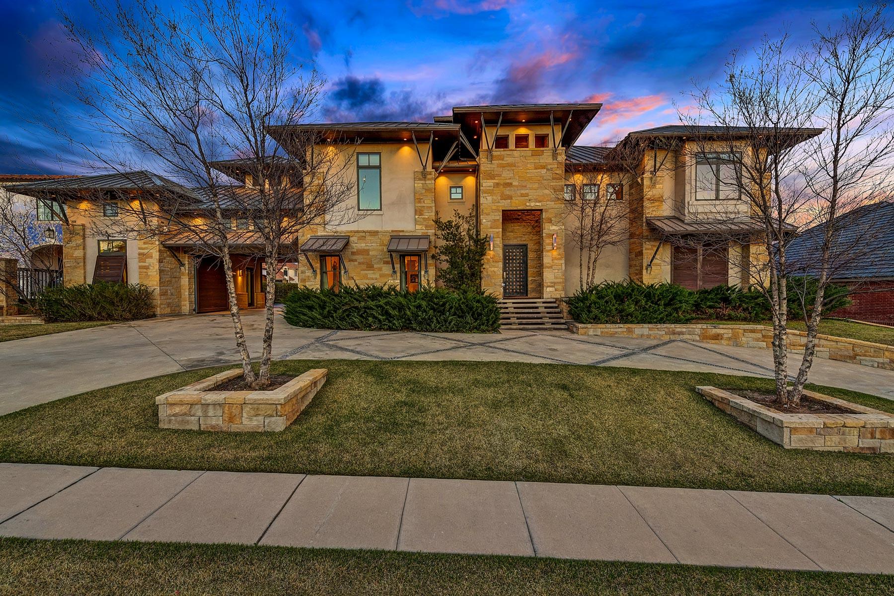 Casa Unifamiliar por un Venta en Contemporary Modern home in Gated Montserrat 4669 Saint Benet Ct., Fort Worth, Texas, 76126 Estados Unidos
