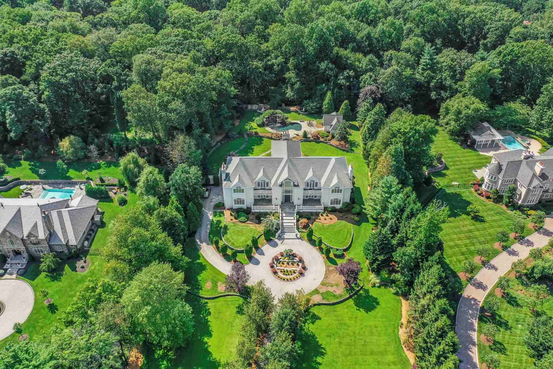 Single Family Homes por un Venta en Beautiful Gated Estate 51 Chestnut Ridge Road, Saddle River, Nueva Jersey 07458 Estados Unidos