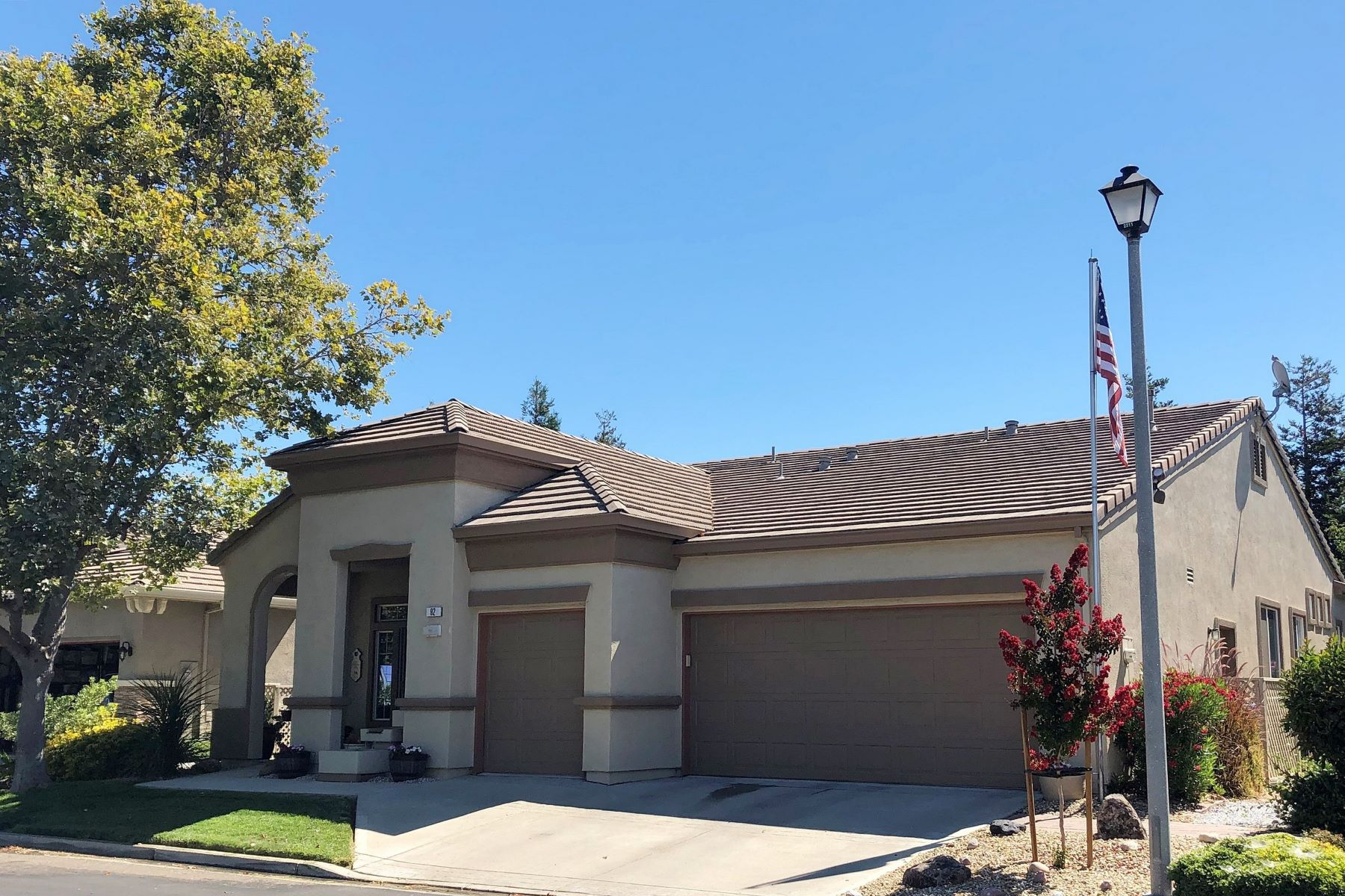 Single Family Homes for Sale at Summerset Beauty 92 Liberty Lane Brentwood, California 94513 United States