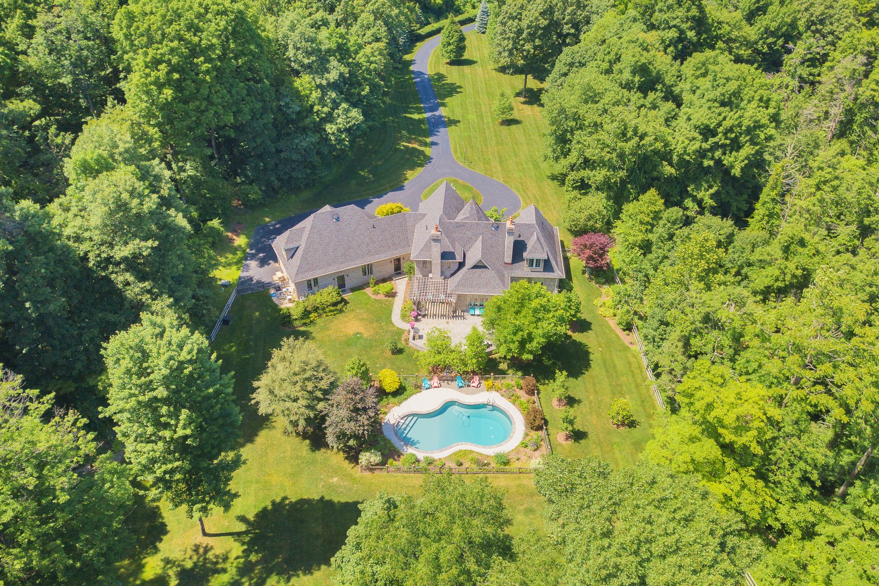 Additional photo for property listing at Private Paradise 30 Wawayanda Ct. Warwick, New York 10990 United States