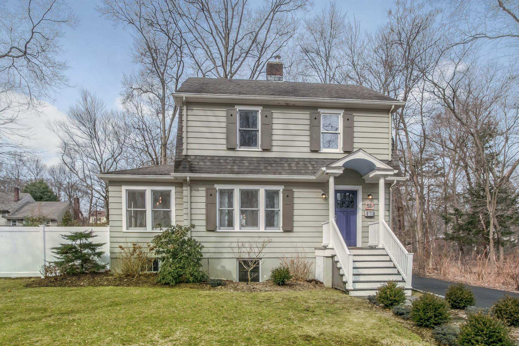 Enfamiljshus för Försäljning vid Charming Colonial 56 Julia Street, Closter, New Jersey 07624 Förenta staterna