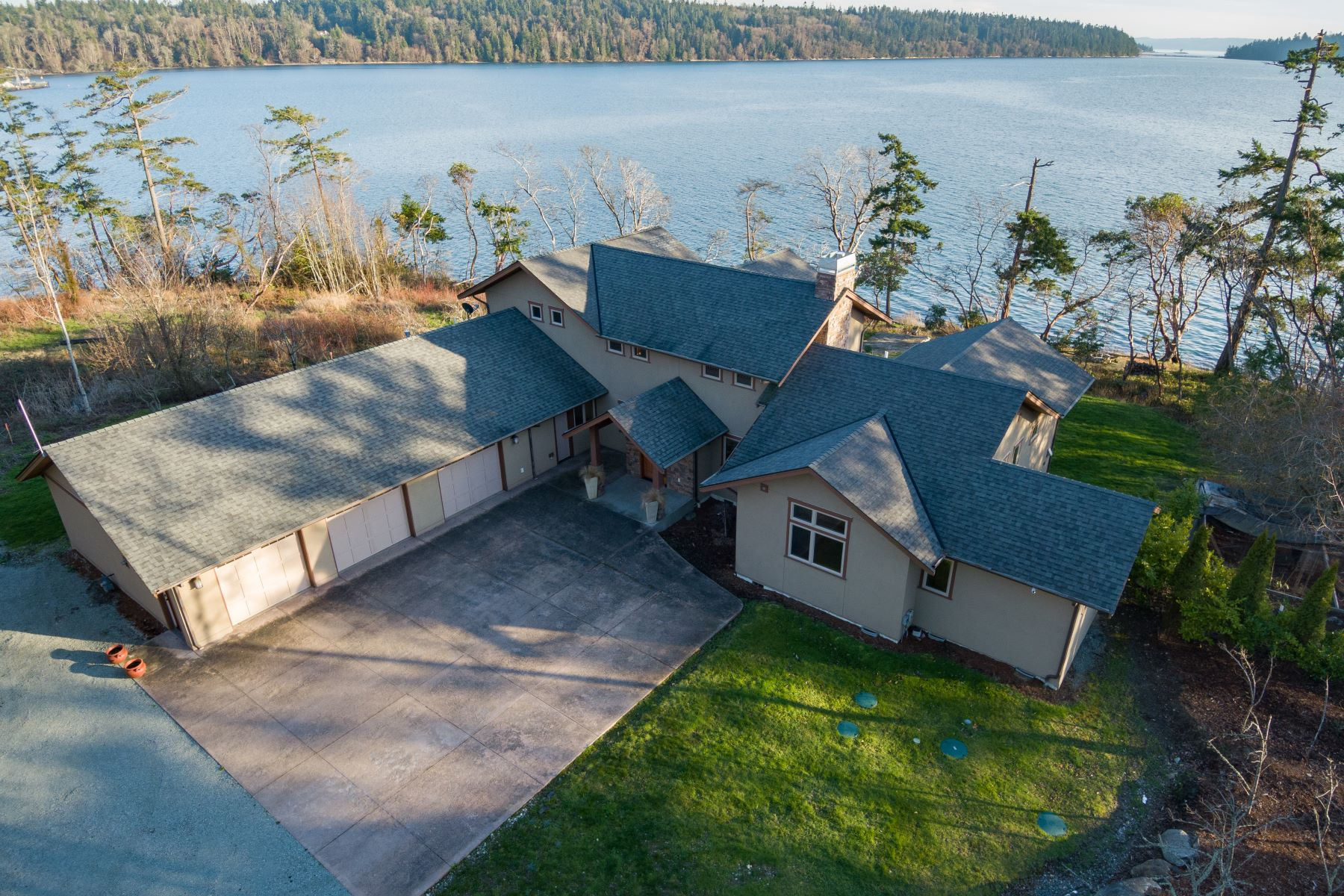 Single Family Homes 용 매매 에 Tranquil Puget Sound Living 8288 Oyster Shell Lane, Anacortes, 워싱톤 98221 미국