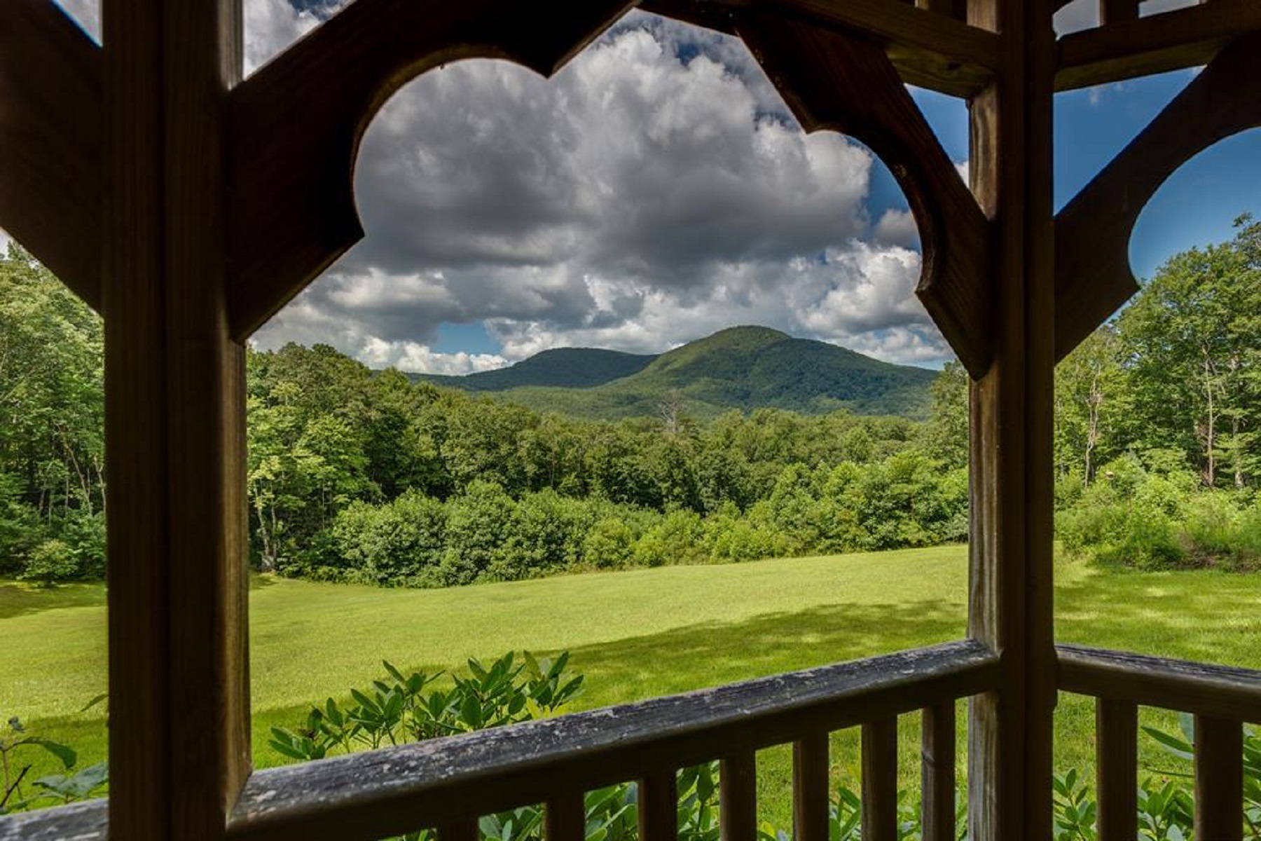Single Family Homes for Active at 656 Far Away Hills Lake Toxaway, North Carolina 28747 United States