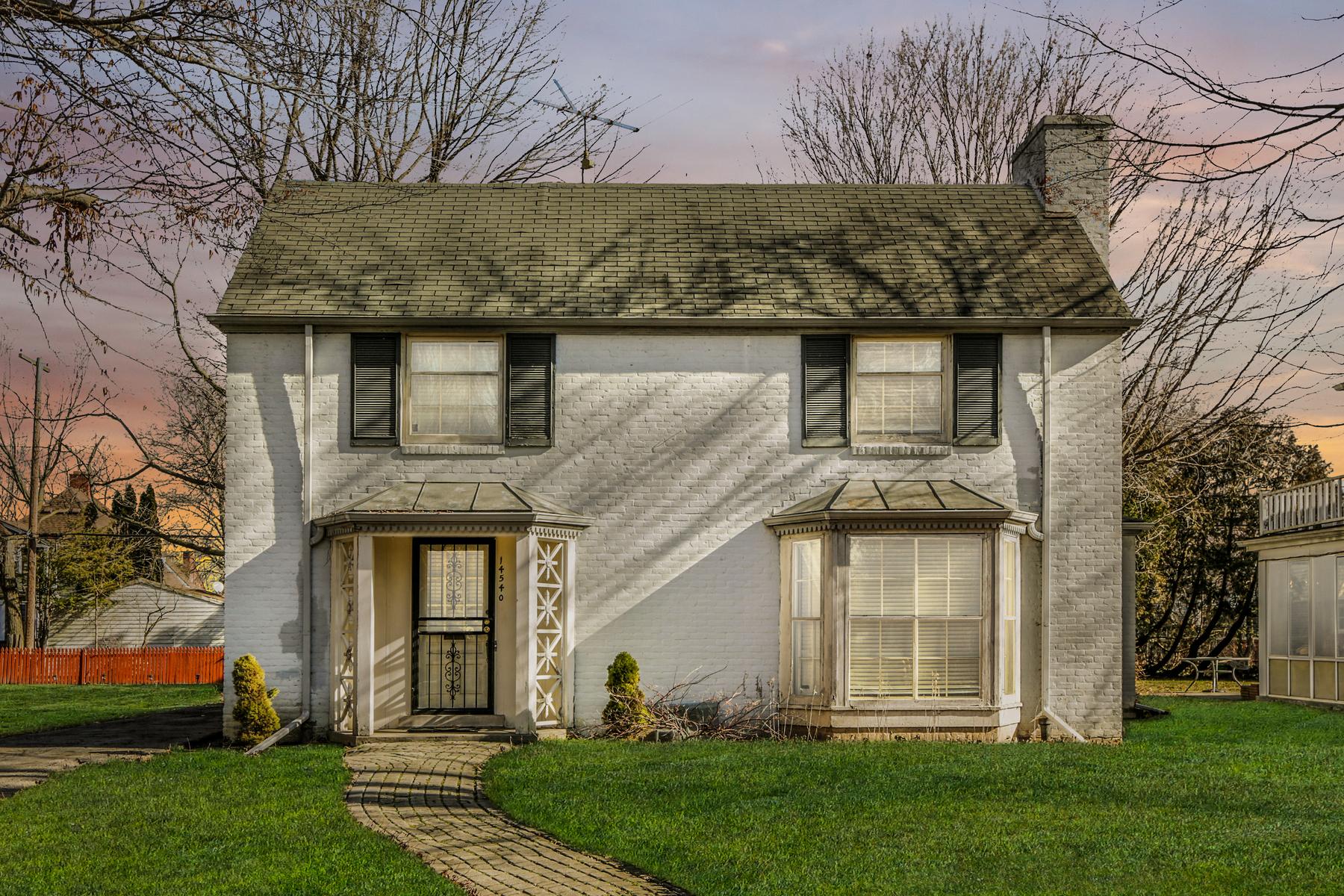 Single Family Homes for Sale at Detroit 14540 Glastonbury Avenue Detroit, Michigan 48223 United States
