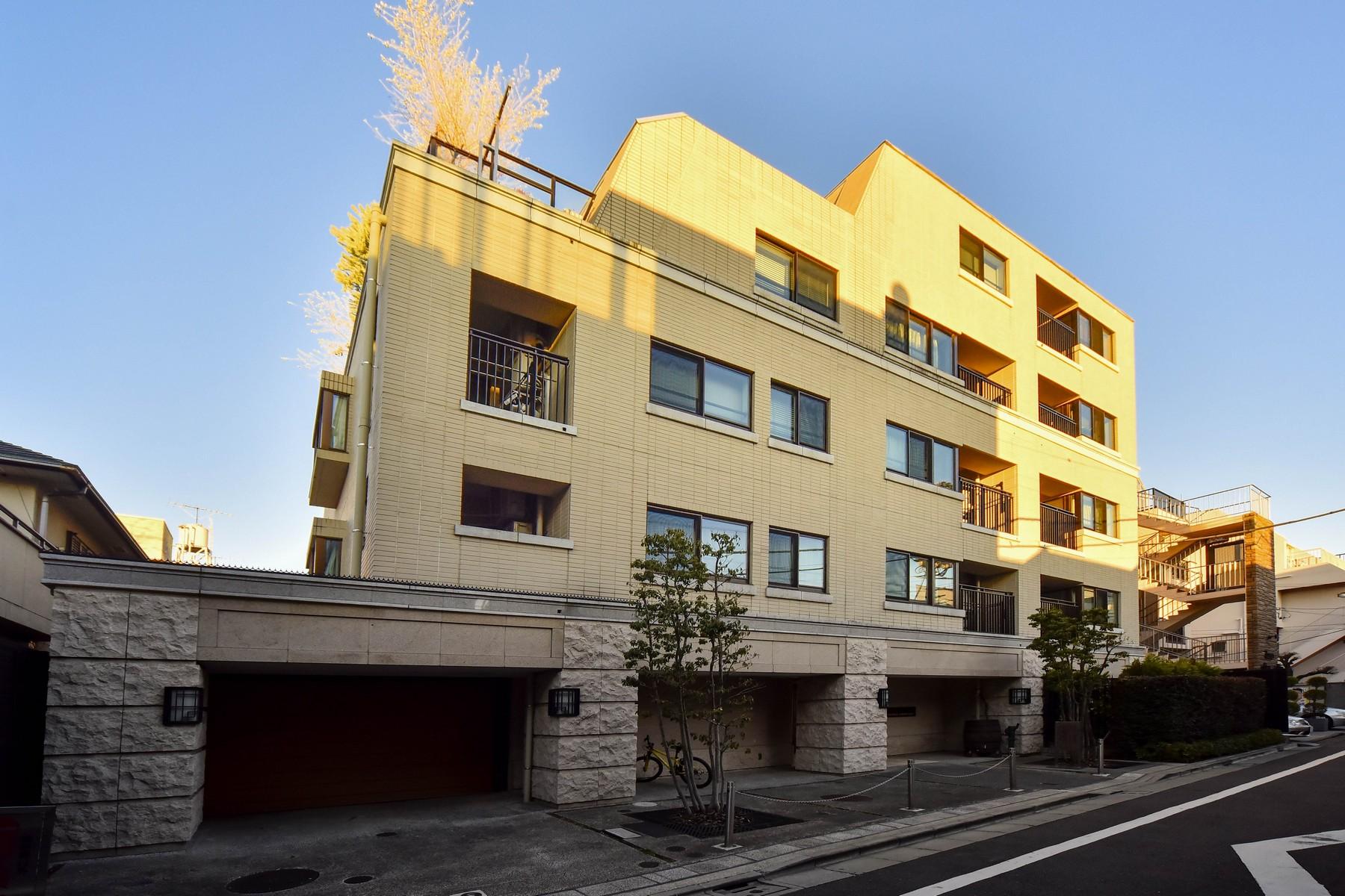共管式独立产权公寓 为 销售 在 The Sanmaison Jingumae 4 Chome Eldo 涩谷区, 东京 日本