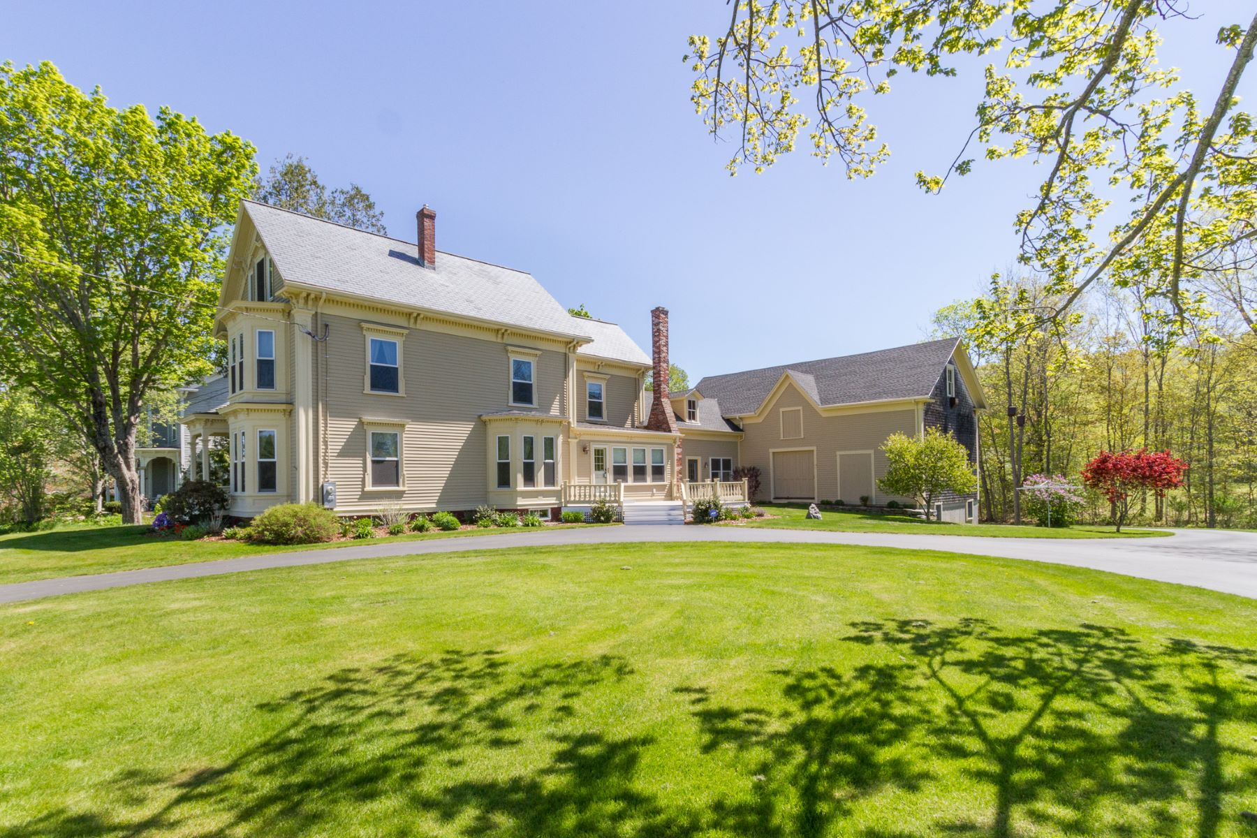 Single Family Home for Sale at 28 The King's Highway Newcastle, Maine, 04553 United States