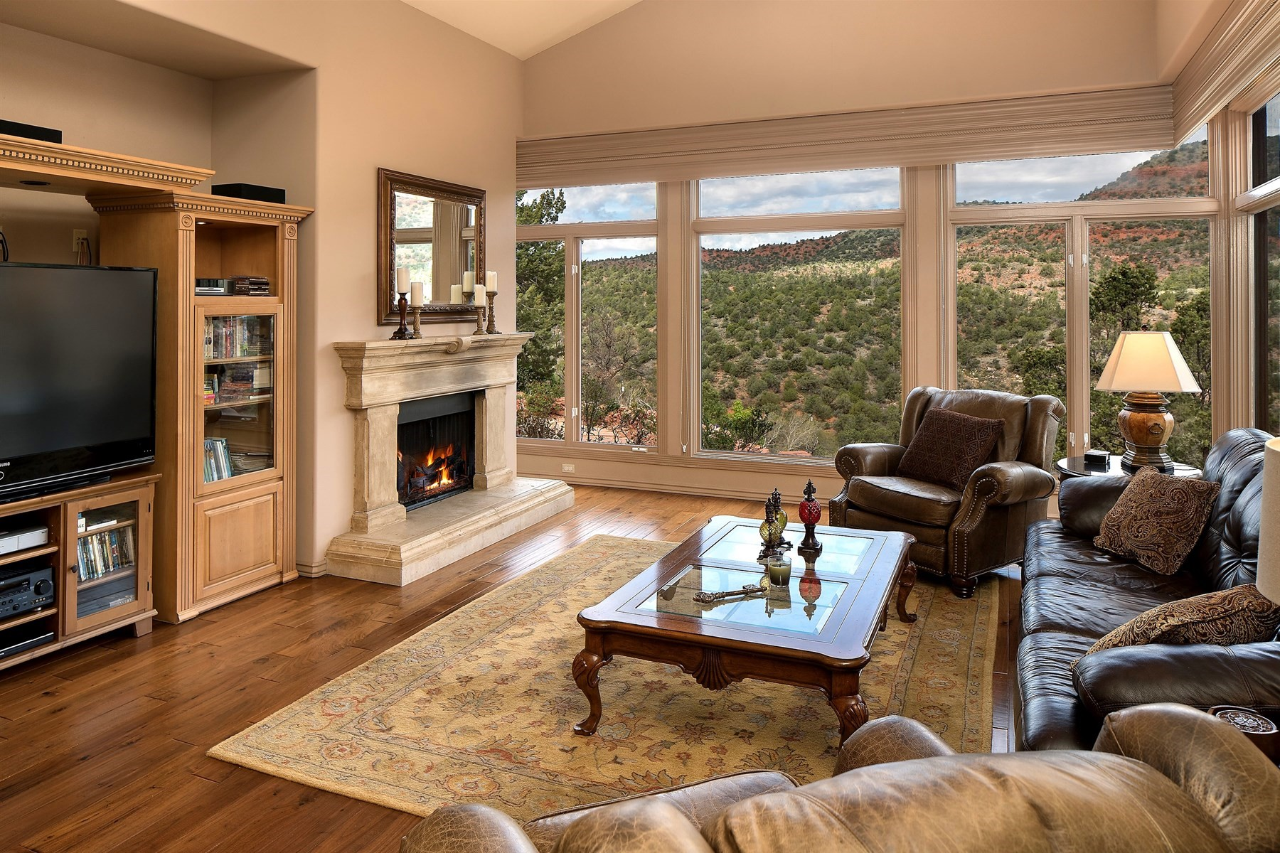 Частный односемейный дом для того Продажа на Beautiful custom home perched on a hilltop high above Oak Creek 680 Elysian Drive Sedona, Аризона, 86336 Соединенные Штаты