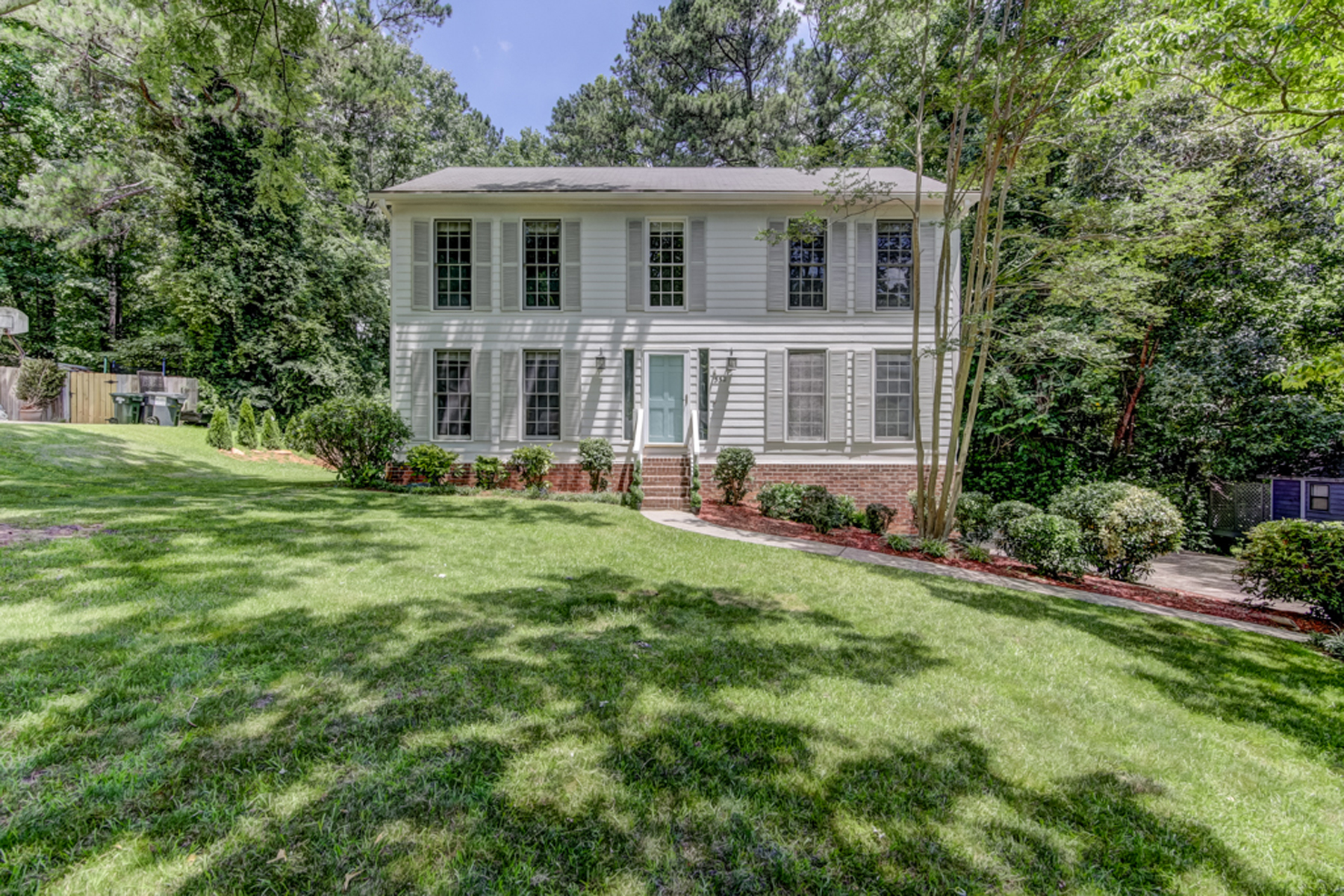 Single Family Home for Sale at Charming Traditional Home in Shannon Green 552 Shannon Green Cir Mableton, Georgia 30126 United States