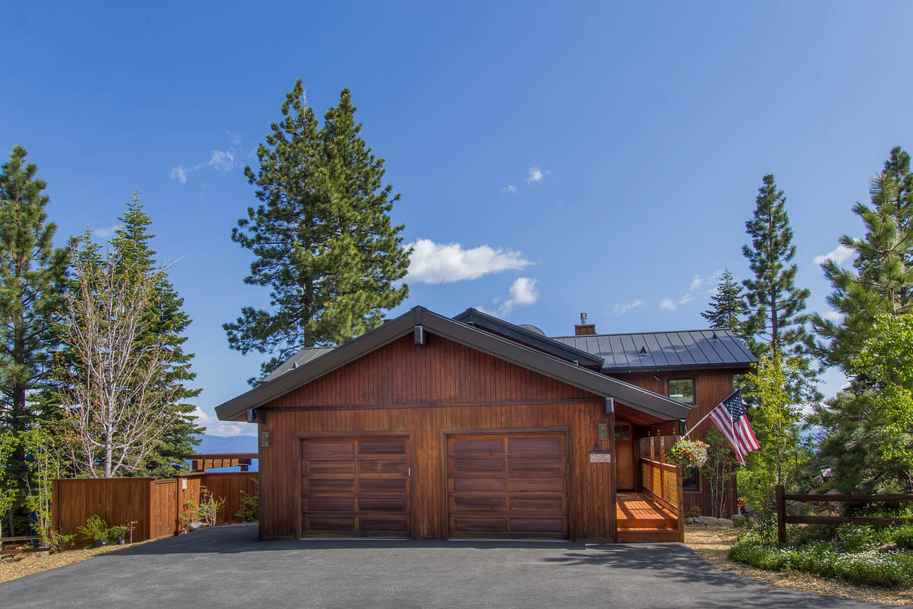 Single Family Home for Active at 1578 Queens Way, Tahoe Vista, Ca 96148 1578 Queens Way Tahoe Vista, California 96146 United States