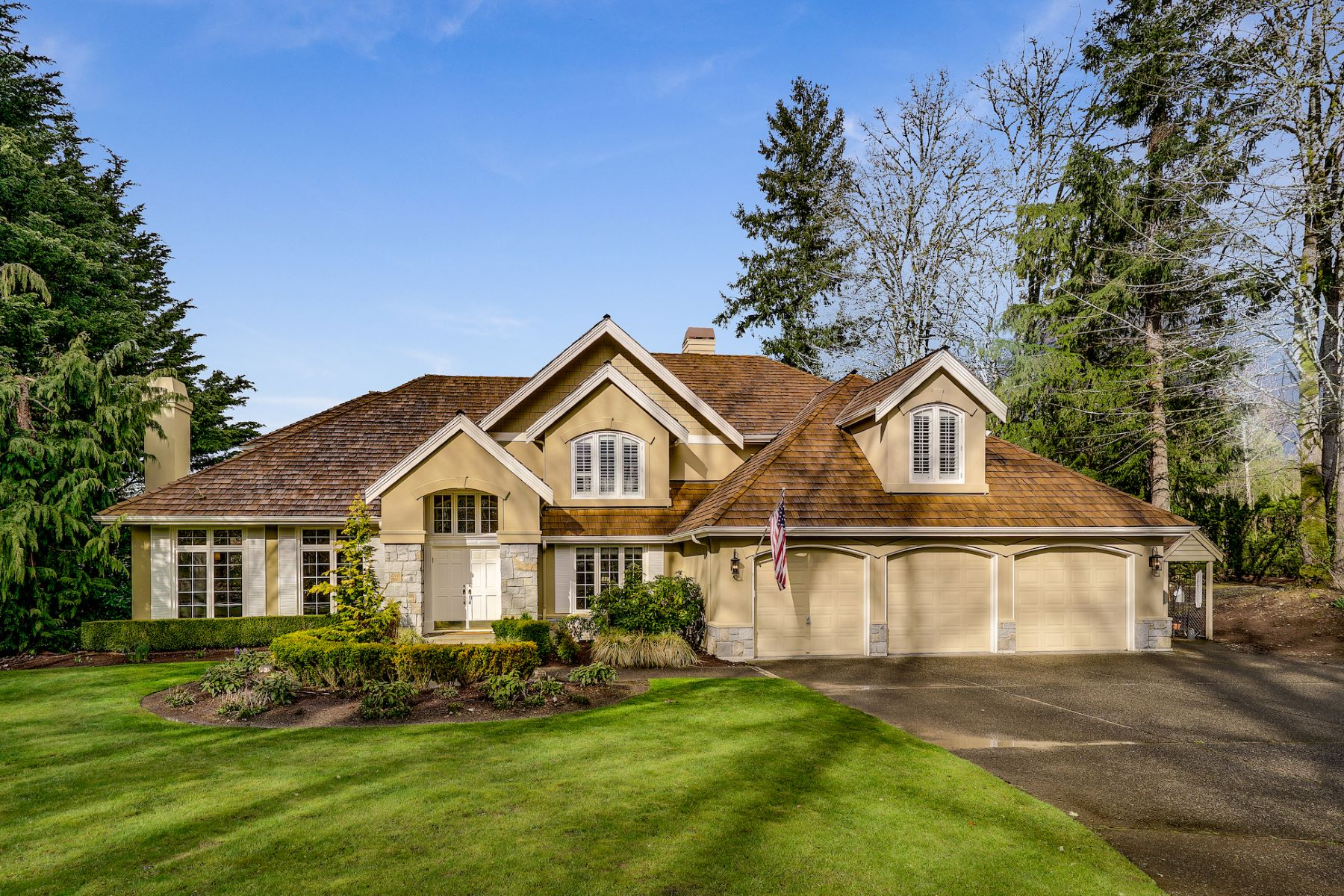 Single Family Homes 용 매매 에 Exquisite Living at Windsor Greens 24686 SE 9th Place Sammamish, 워싱톤 98074 미국