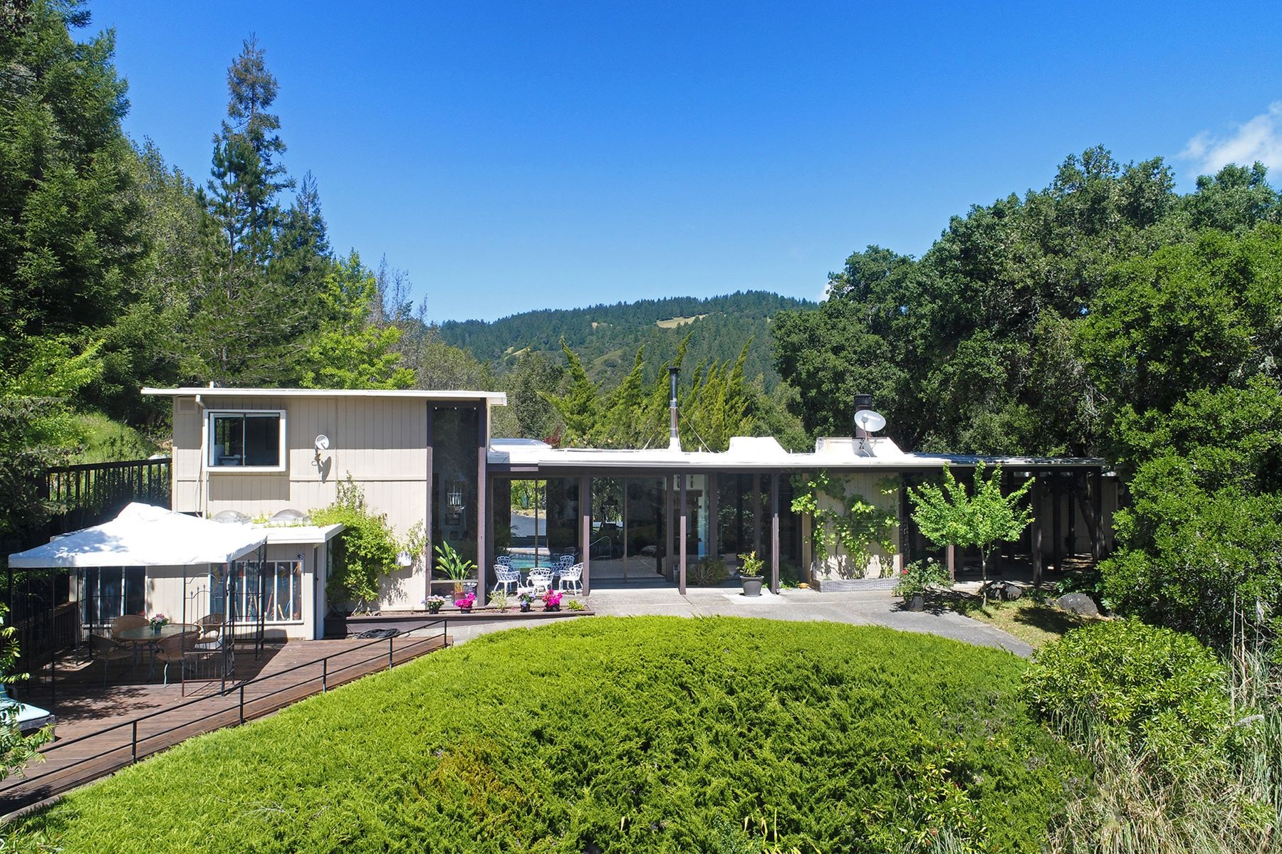 獨棟家庭住宅 為 出售 在 Blissfully Private Country Residence 5675 Lucas Valley Rd Nicasio, 加利福尼亞州 94946 美國