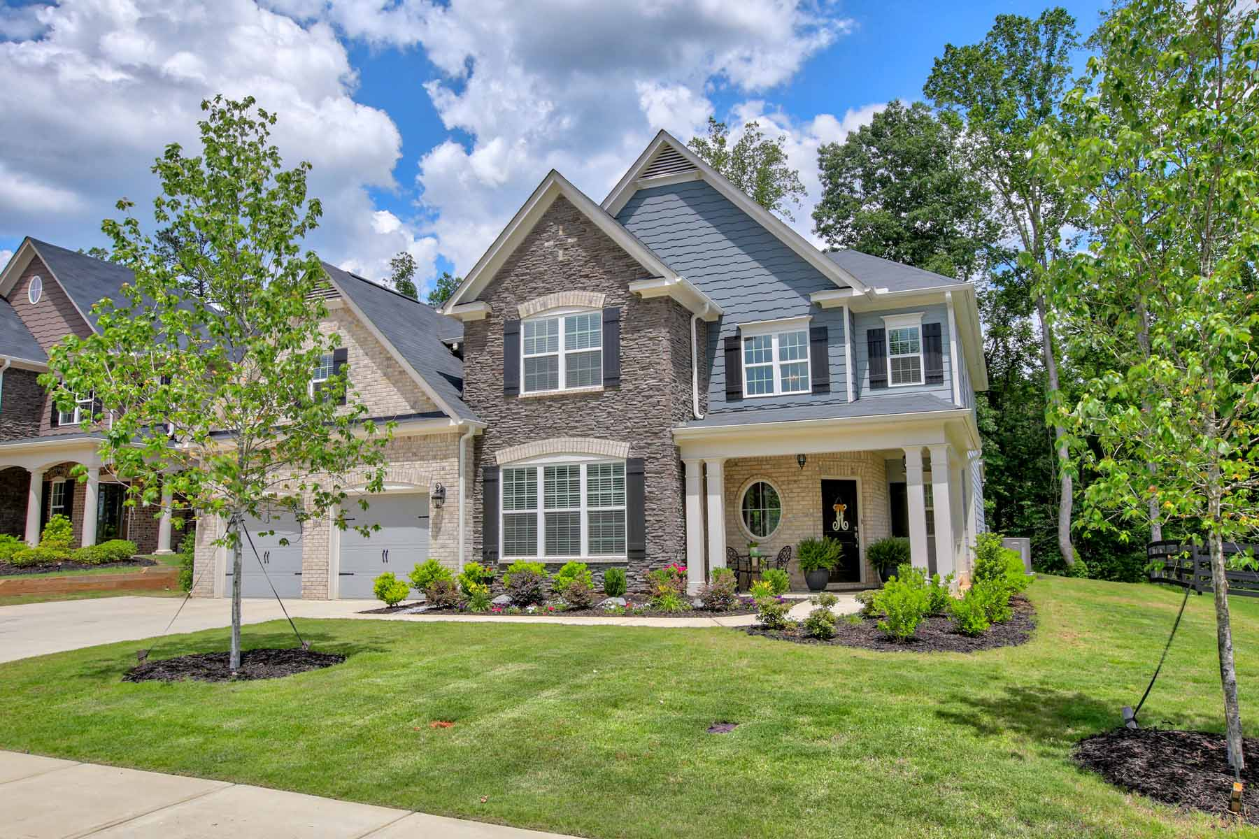 Casa Unifamiliar por un Venta en Stunning Home Filled With Designer Upgrades Close To Vibrant Downtown Woodstock 238 Lakestone Pkwy Woodstock, Georgia, 30188 Estados Unidos