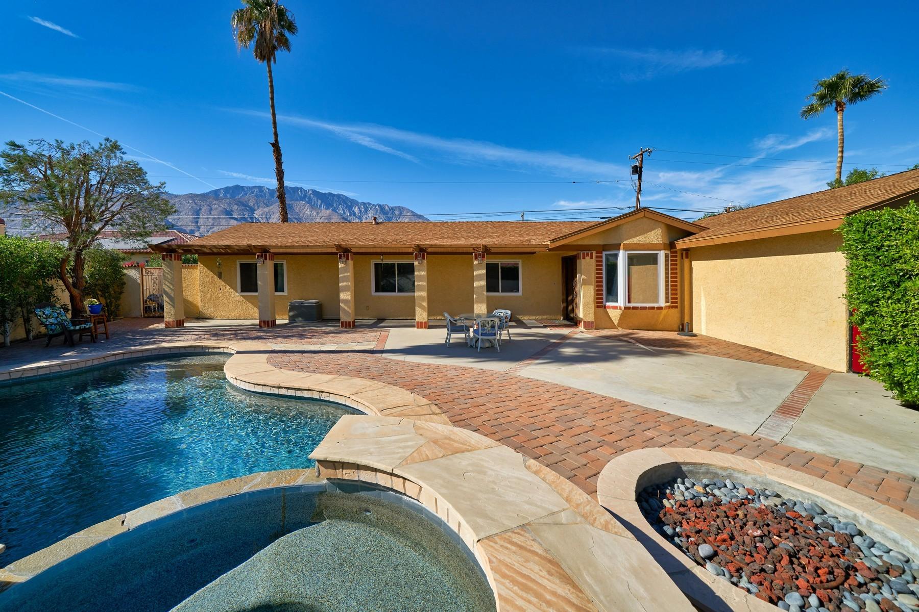 Частный односемейный дом для того Продажа на 2025 Nicola Road Palm Springs, Калифорния, 92262 Соединенные Штаты