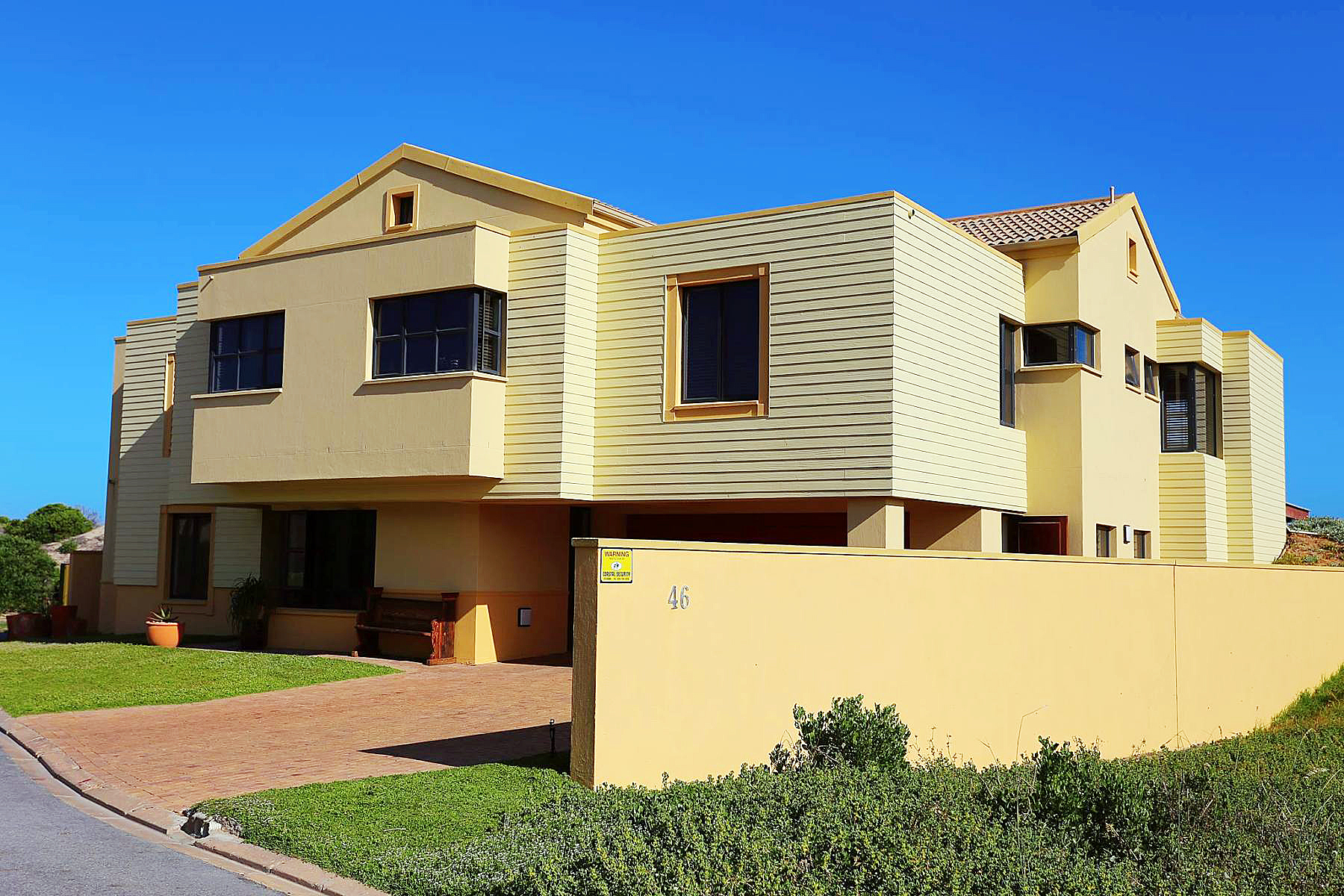 Multi-Family Homes por un Venta en Stilbaai Stilbaai, Provincia Occidental Del Cabo 6674 Sudáfrica