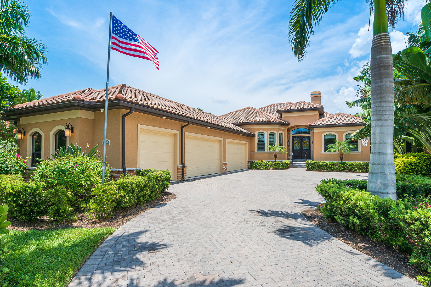 Single Family Homes for Sale at CASEY KEY ESTATES 1050 Gulf Winds Way Nokomis, Florida 34275 United States